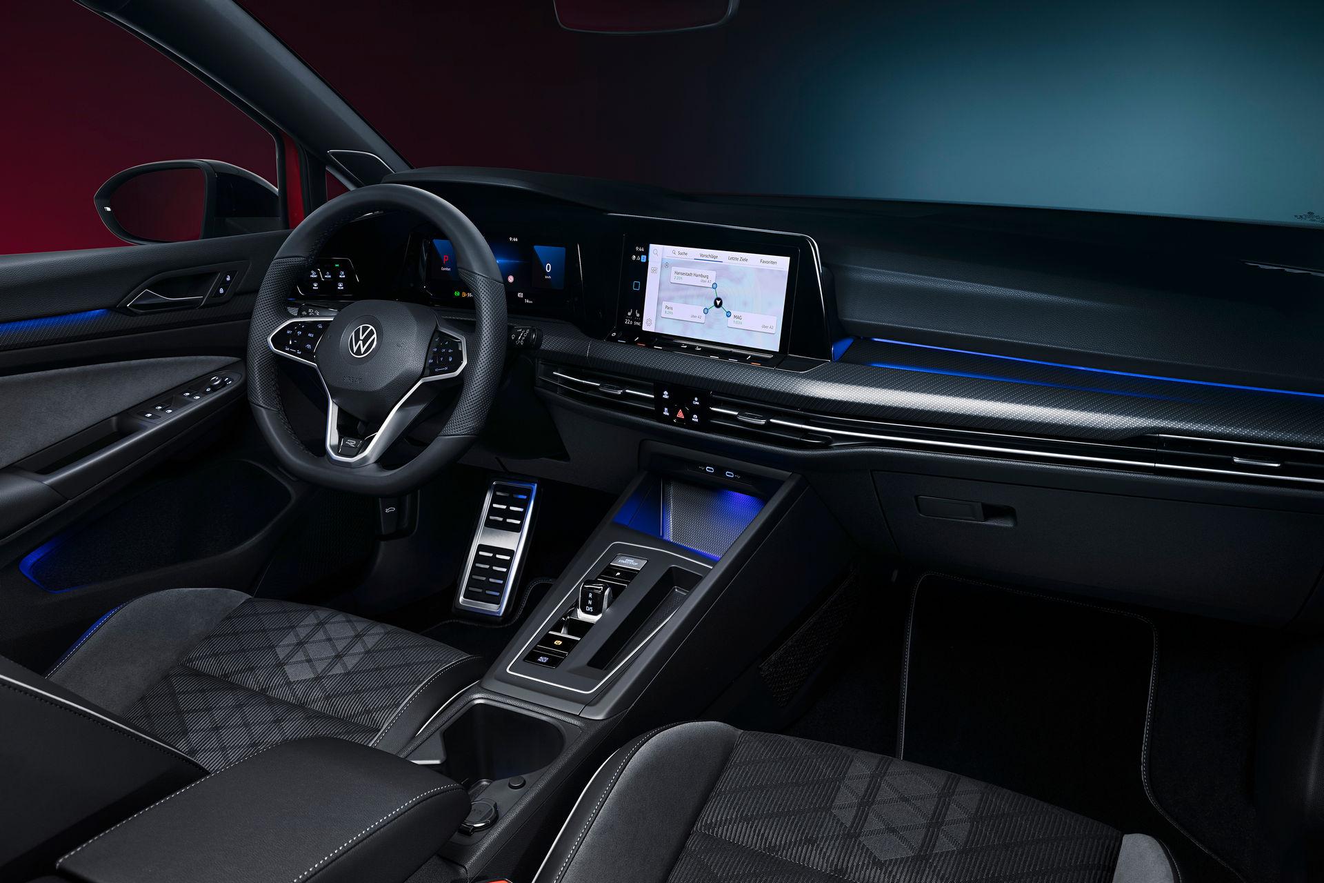 VW-Golf-Estate-And-Golf-Alltrack-28