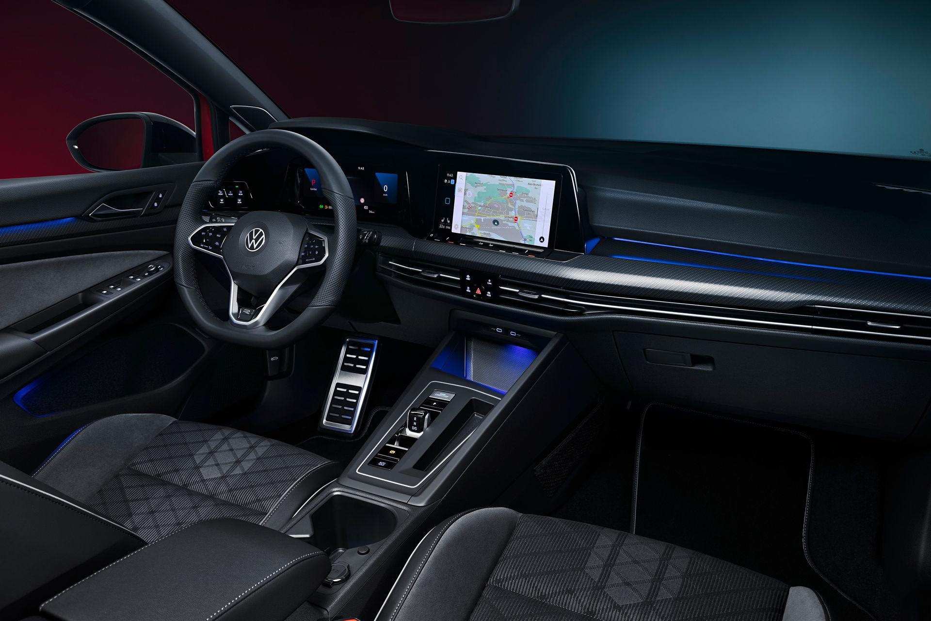 VW-Golf-Estate-And-Golf-Alltrack-30