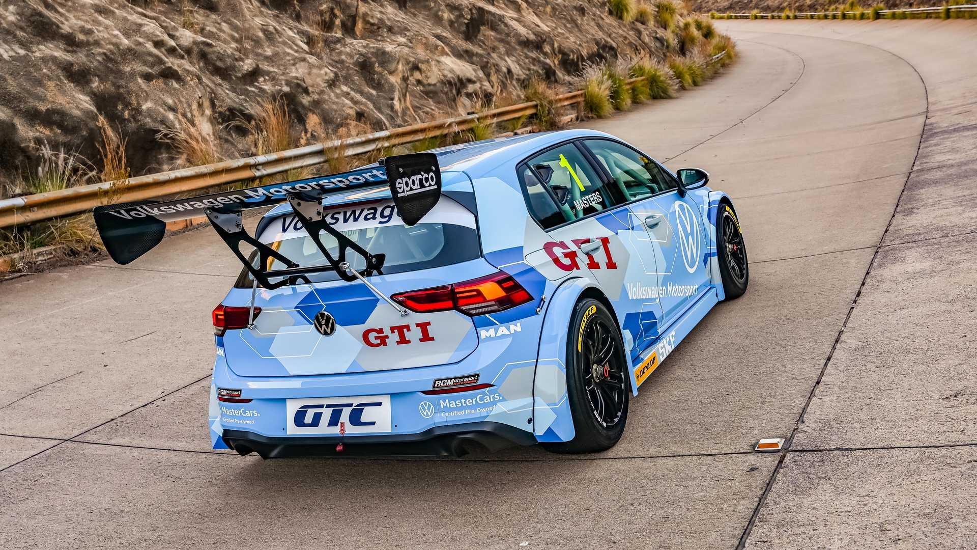 Volkswagen-GTI-GTC-Race-Car-1