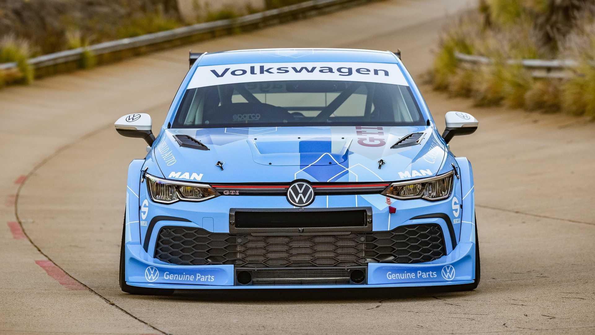 Volkswagen-GTI-GTC-Race-Car-10