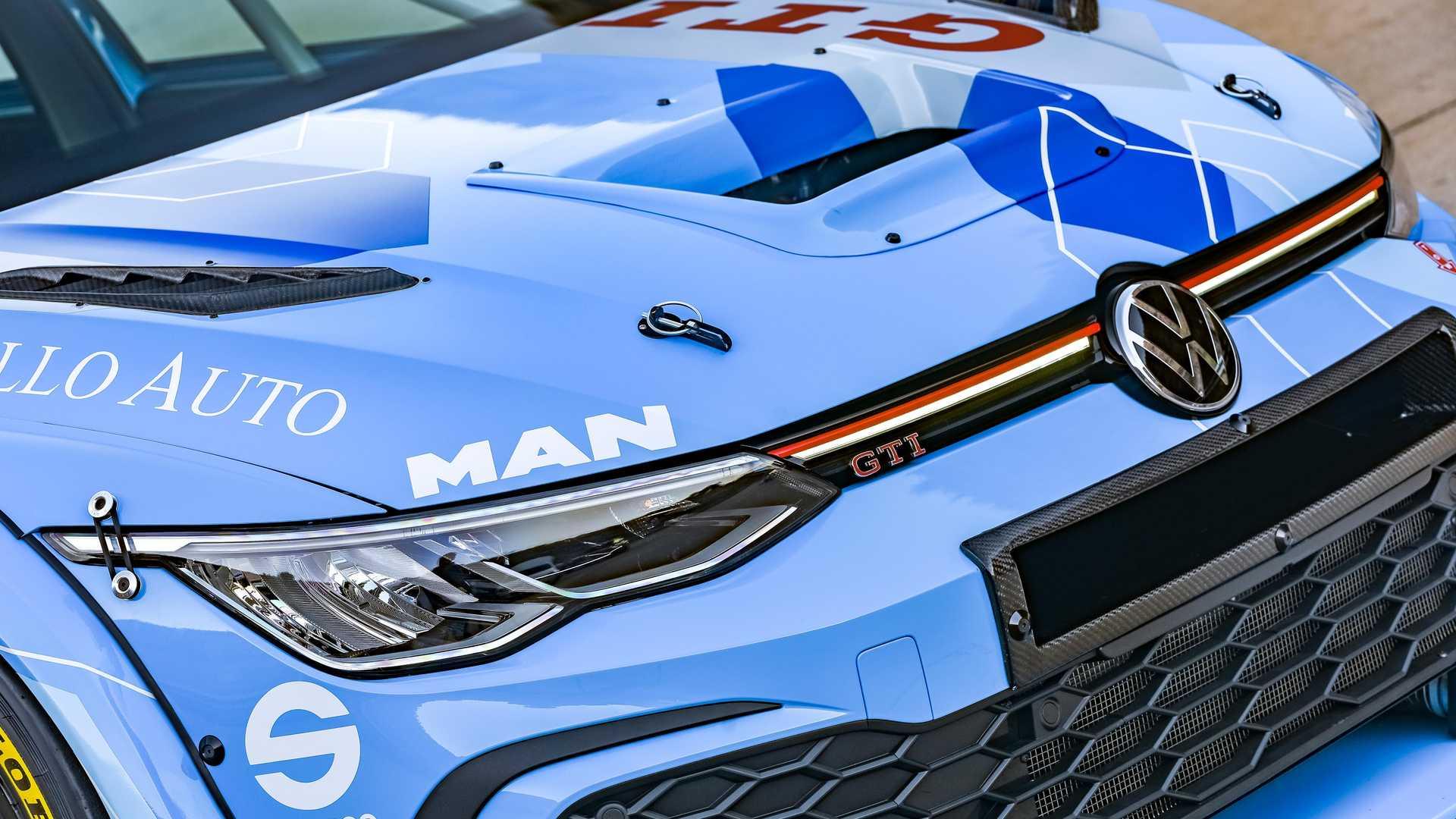 Volkswagen-GTI-GTC-Race-Car-11