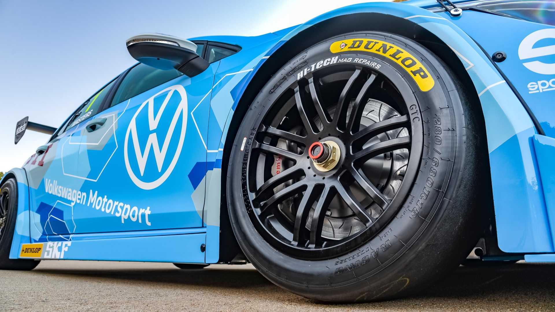 Volkswagen-GTI-GTC-Race-Car-13
