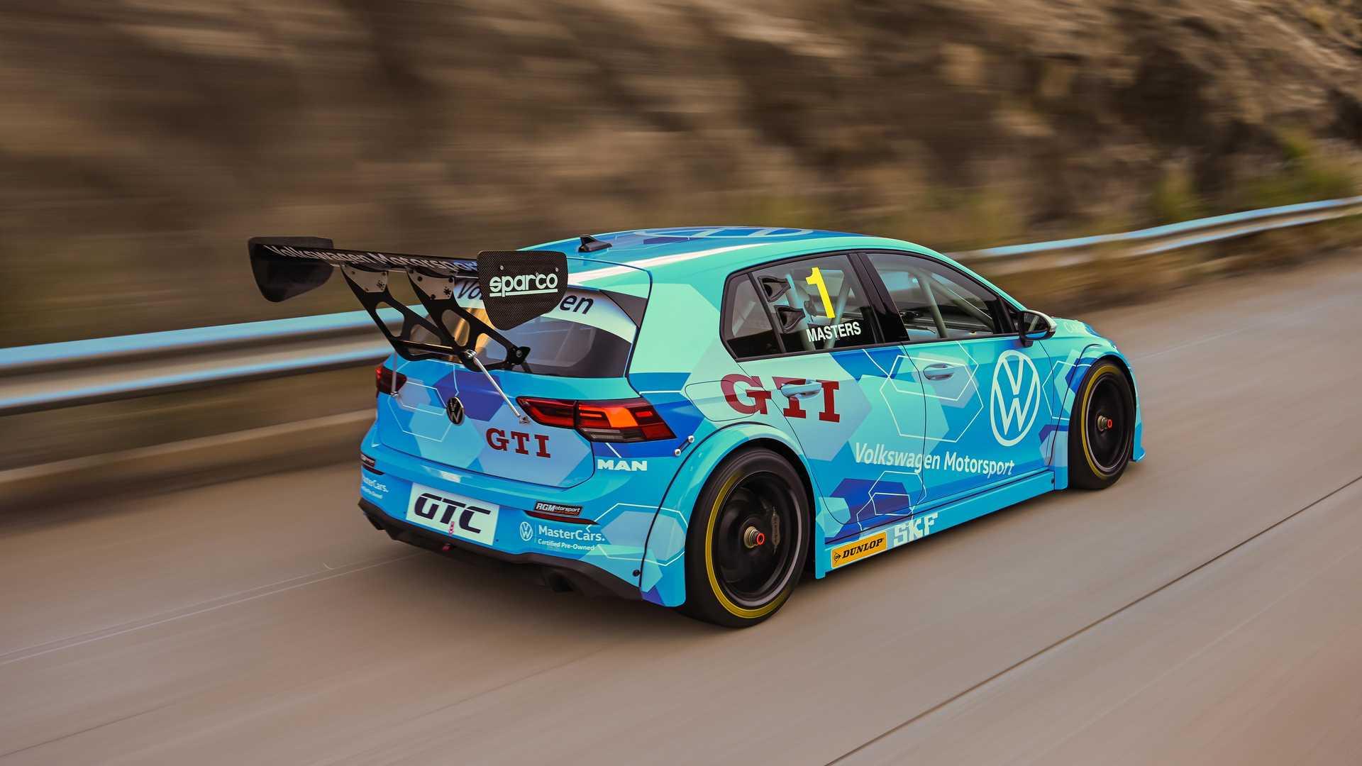 Volkswagen-GTI-GTC-Race-Car-17