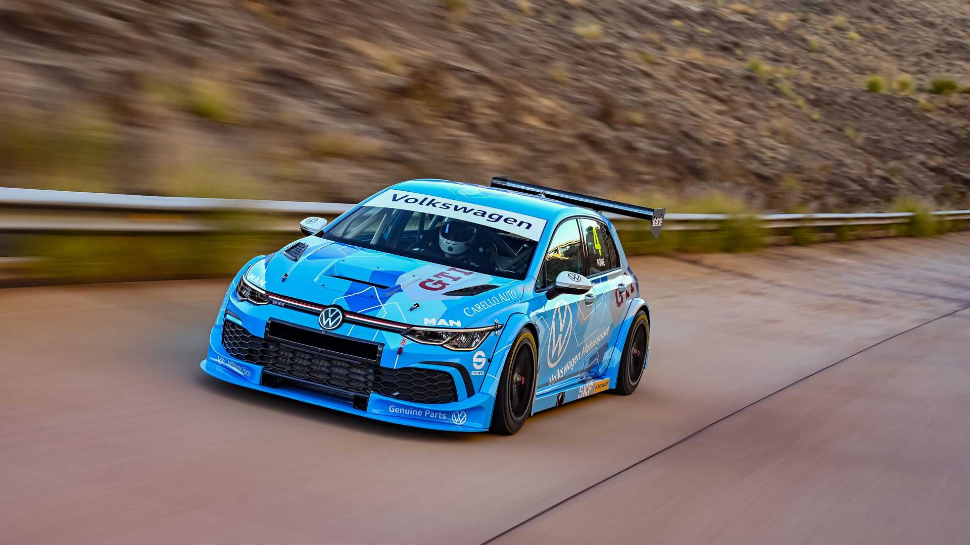 Volkswagen-GTI-GTC-Race-Car-18