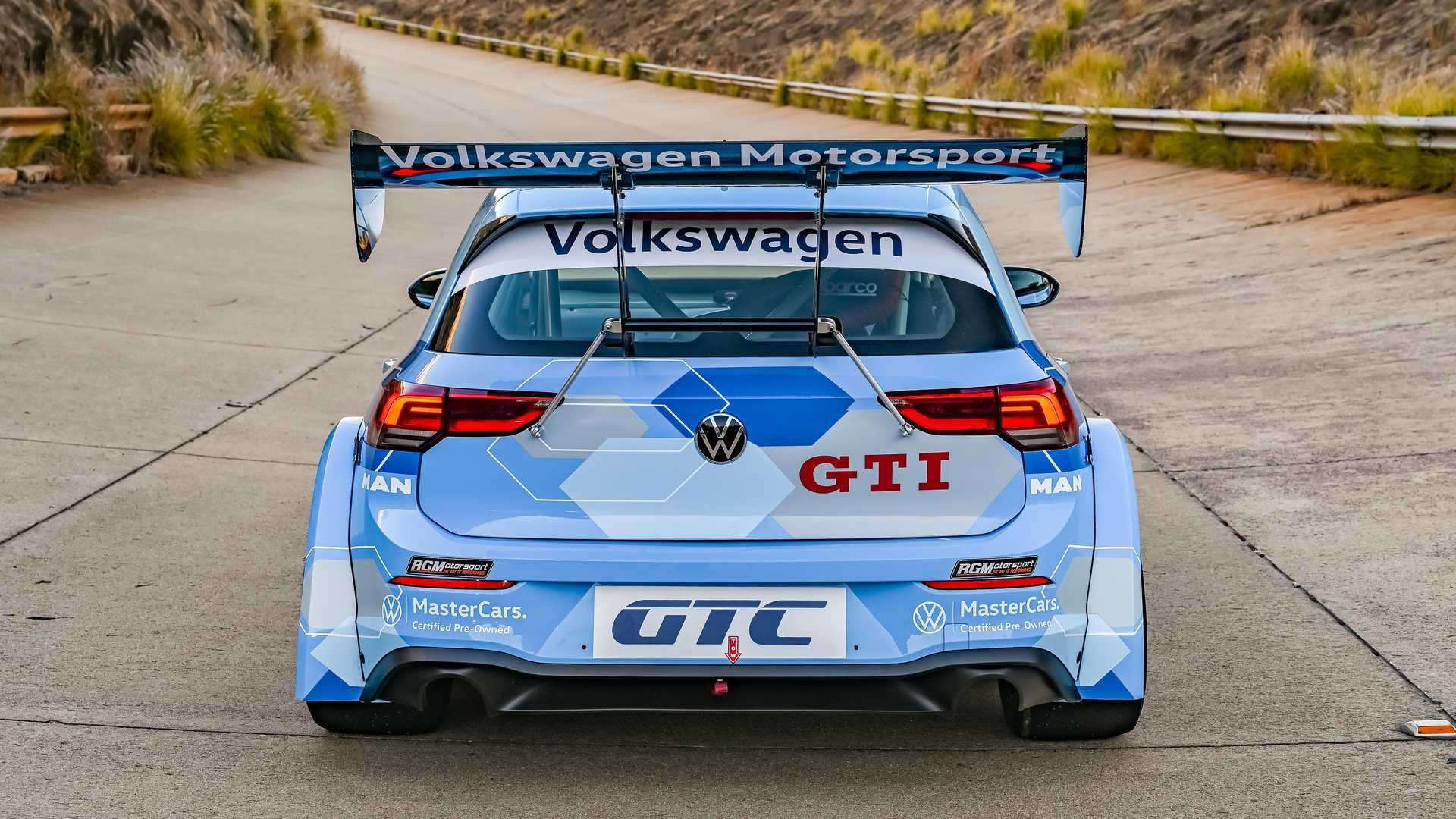 Volkswagen-GTI-GTC-Race-Car-2