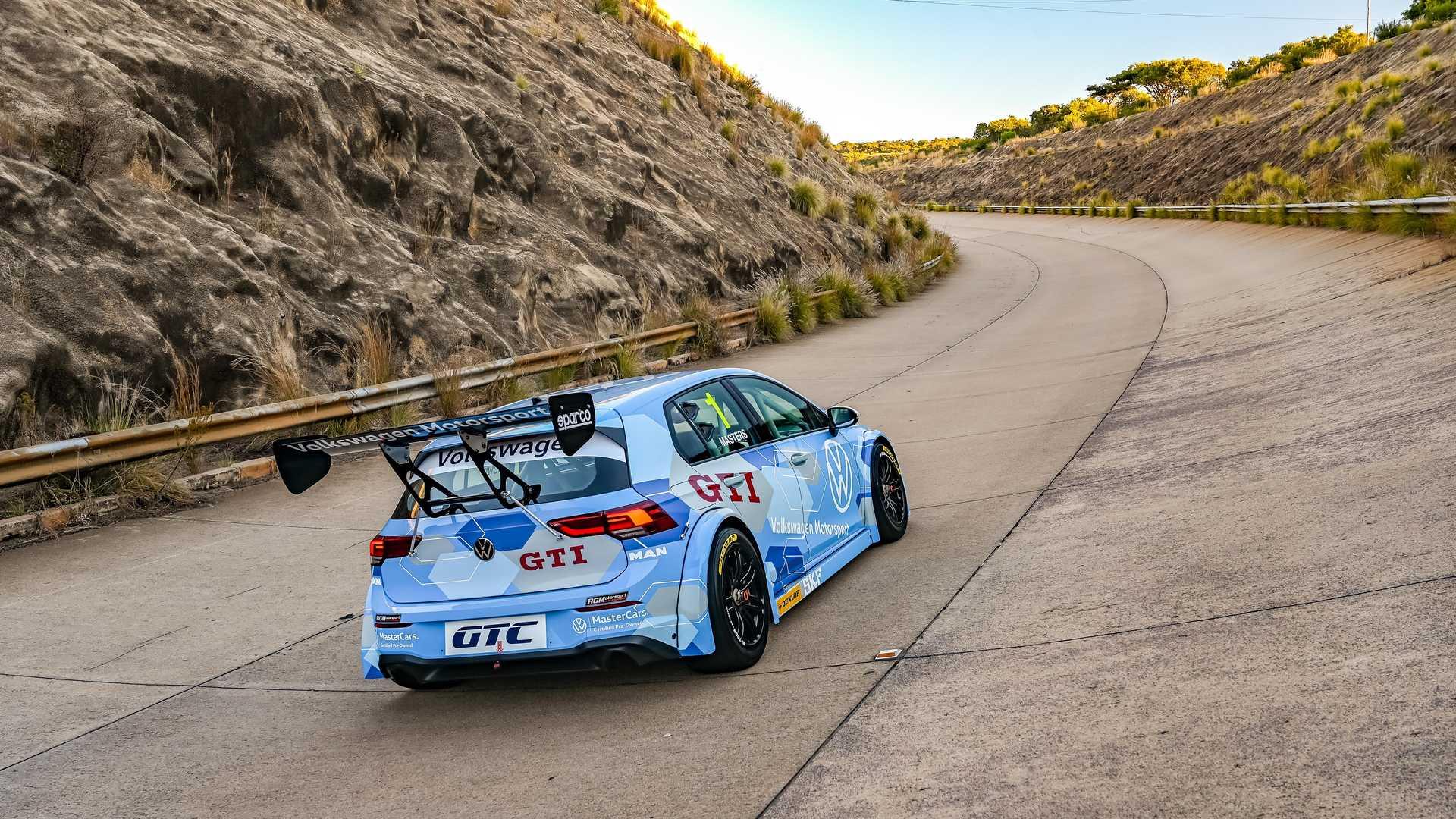 Volkswagen-GTI-GTC-Race-Car-3