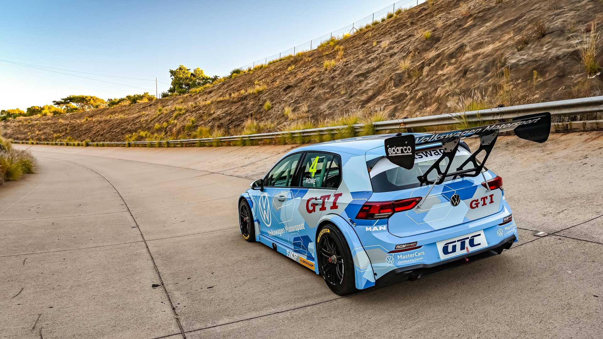 Volkswagen-GTI-GTC-Race-Car-4