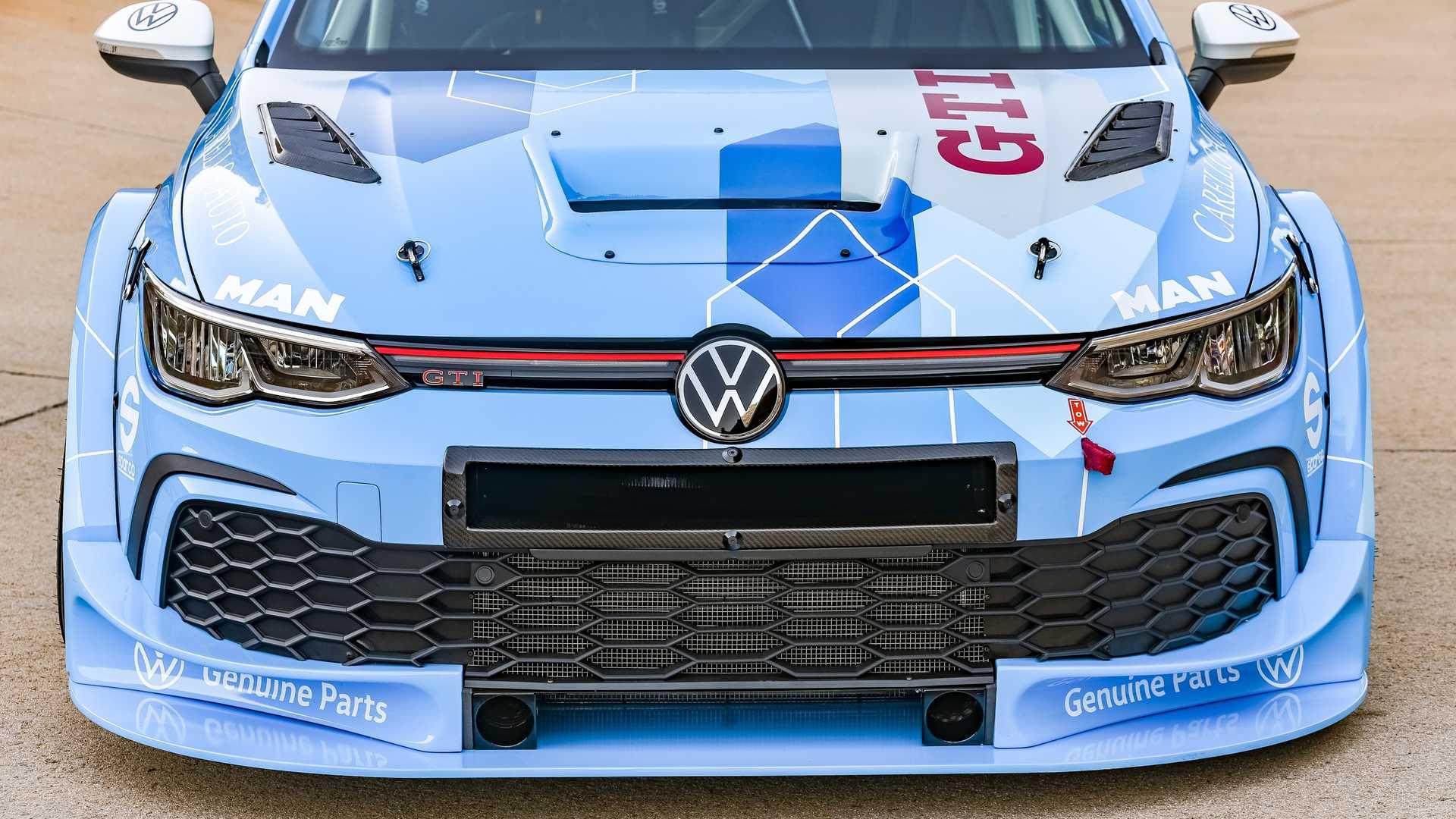 Volkswagen-GTI-GTC-Race-Car-9