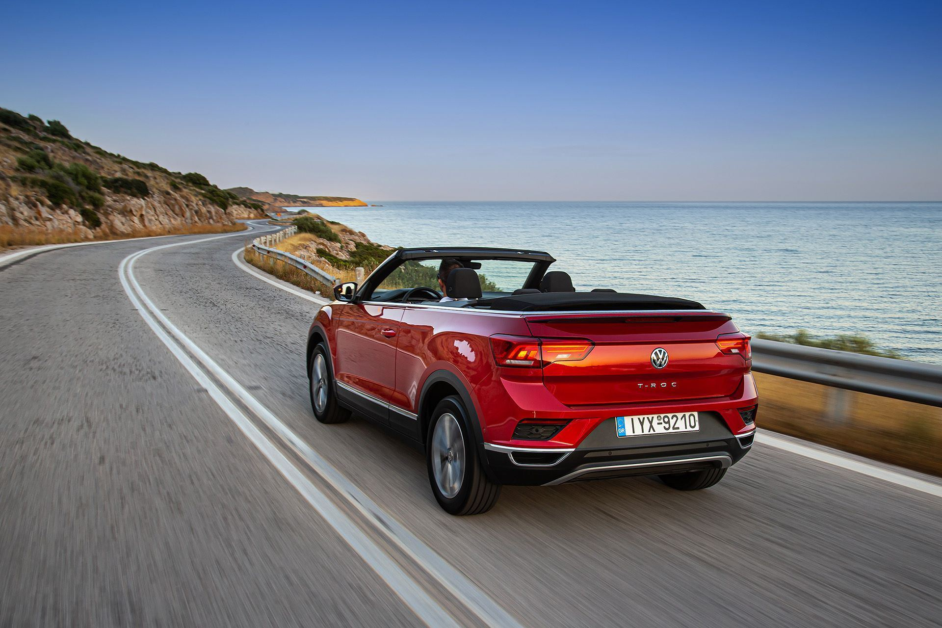 Volkswagen-T-Roc-Cabriolet-Greece-41