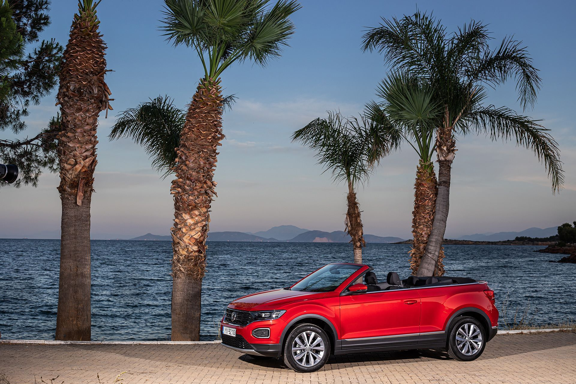 Volkswagen-T-Roc-Cabriolet-Greece-53