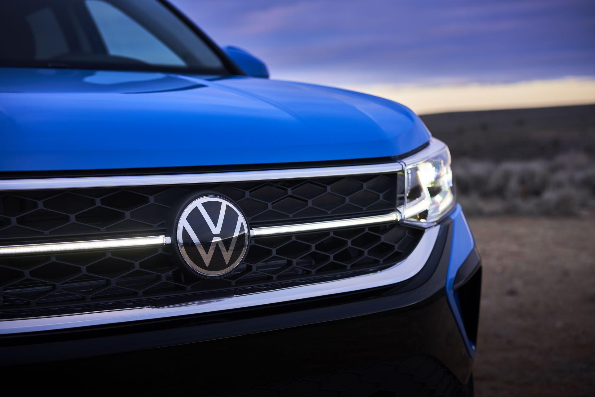 Volkswagen-Taos-2020-11