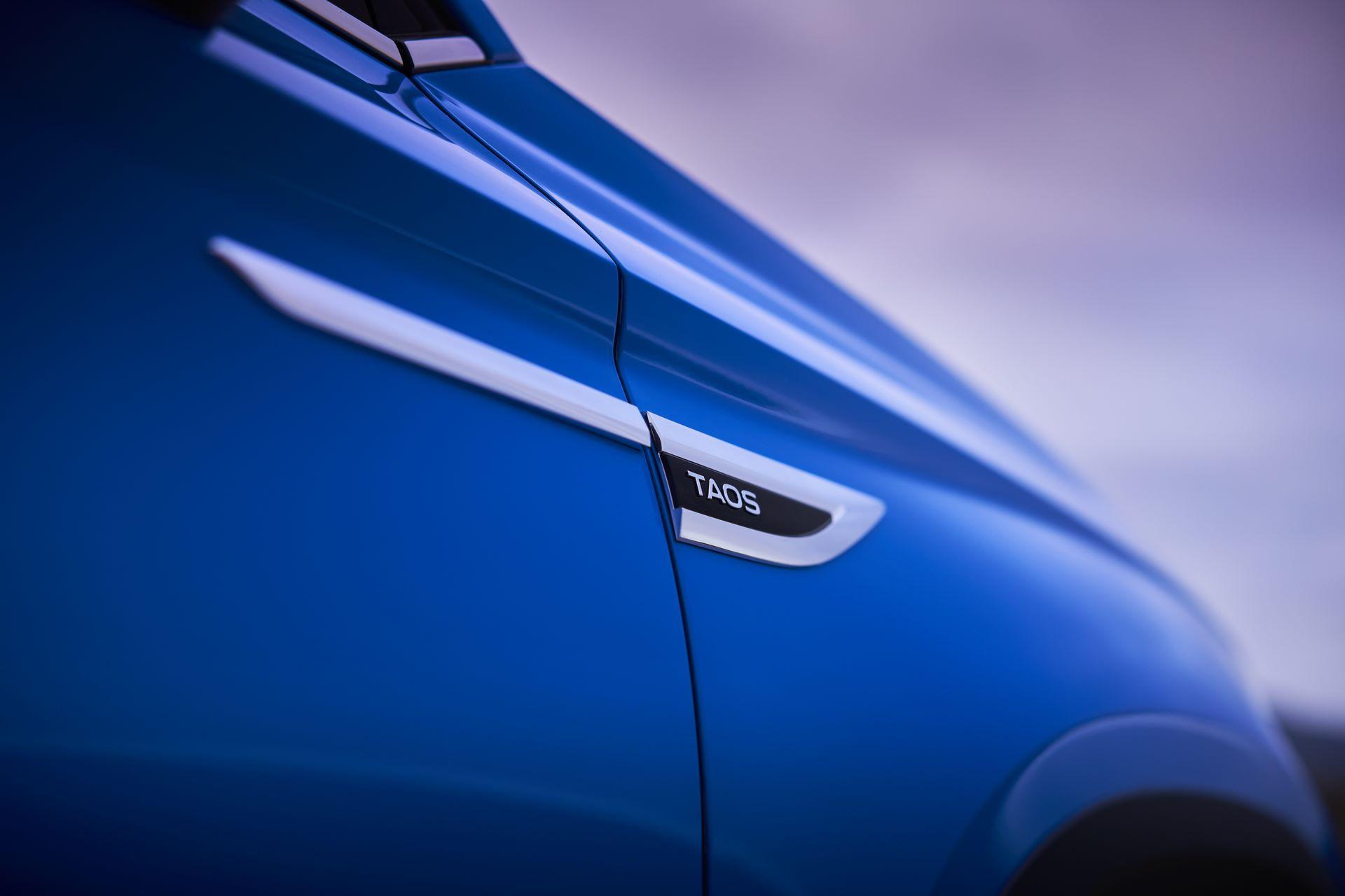 Volkswagen-Taos-2020-14