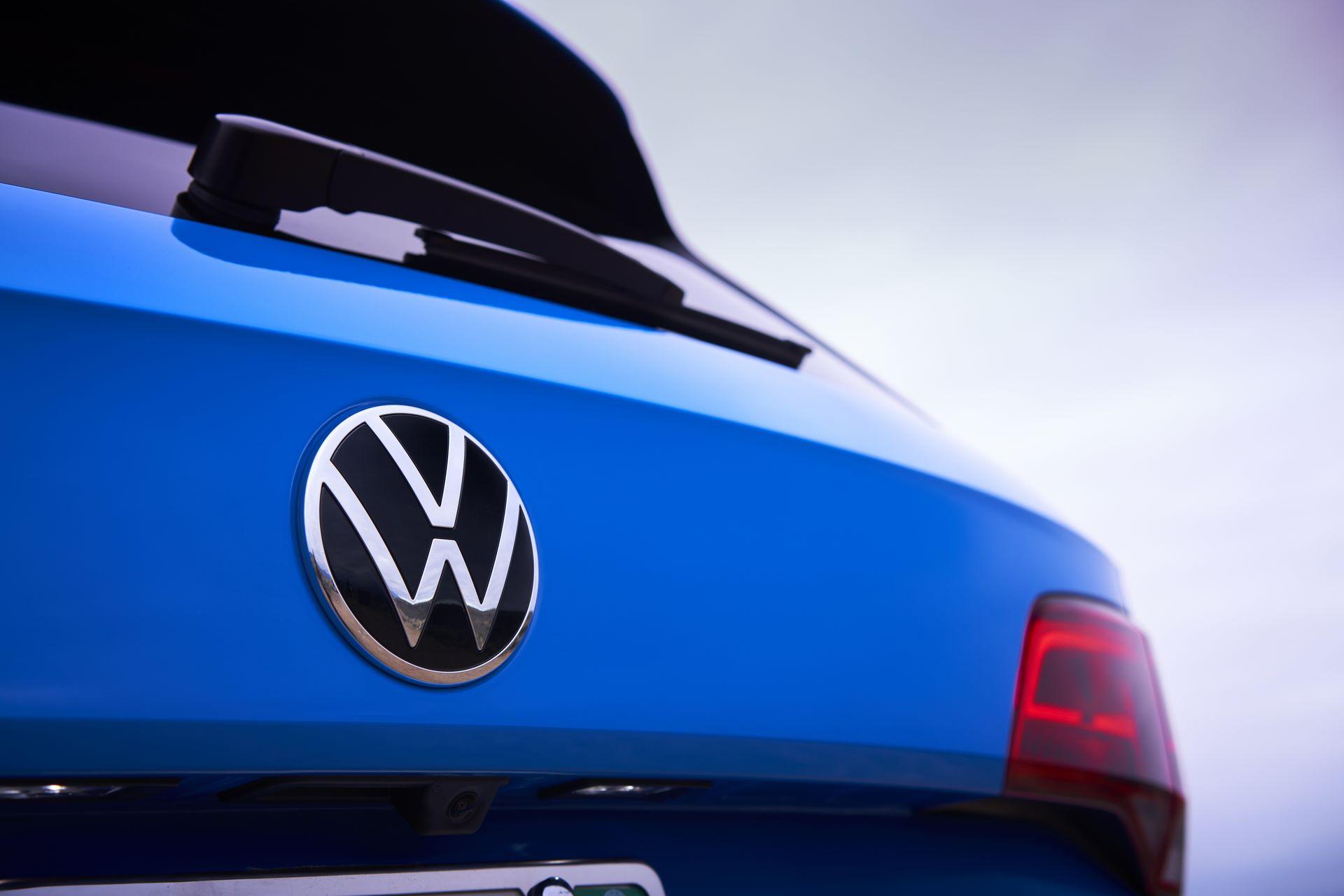 Volkswagen-Taos-2020-15