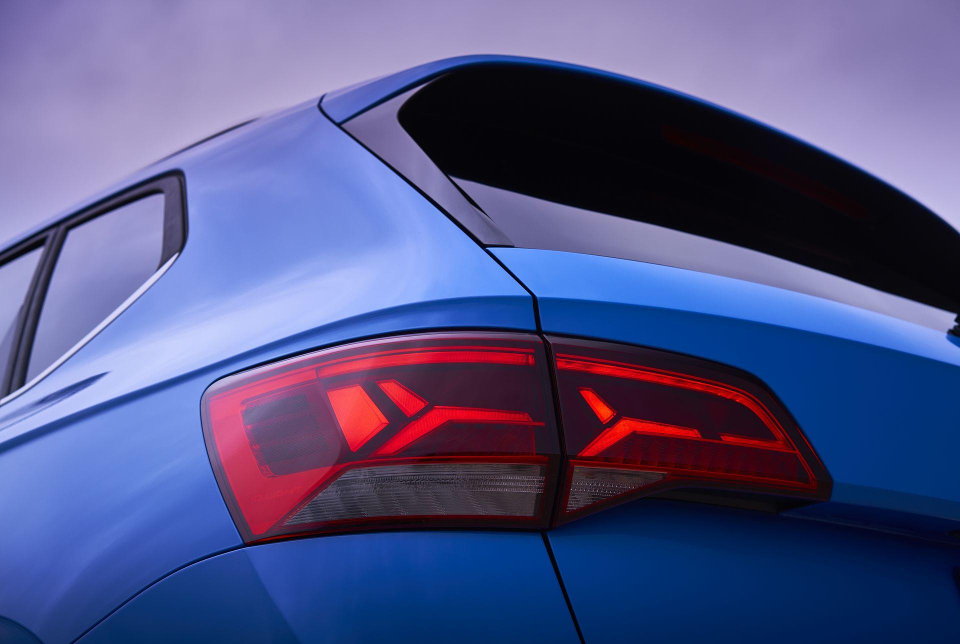 Volkswagen-Taos-2020-16