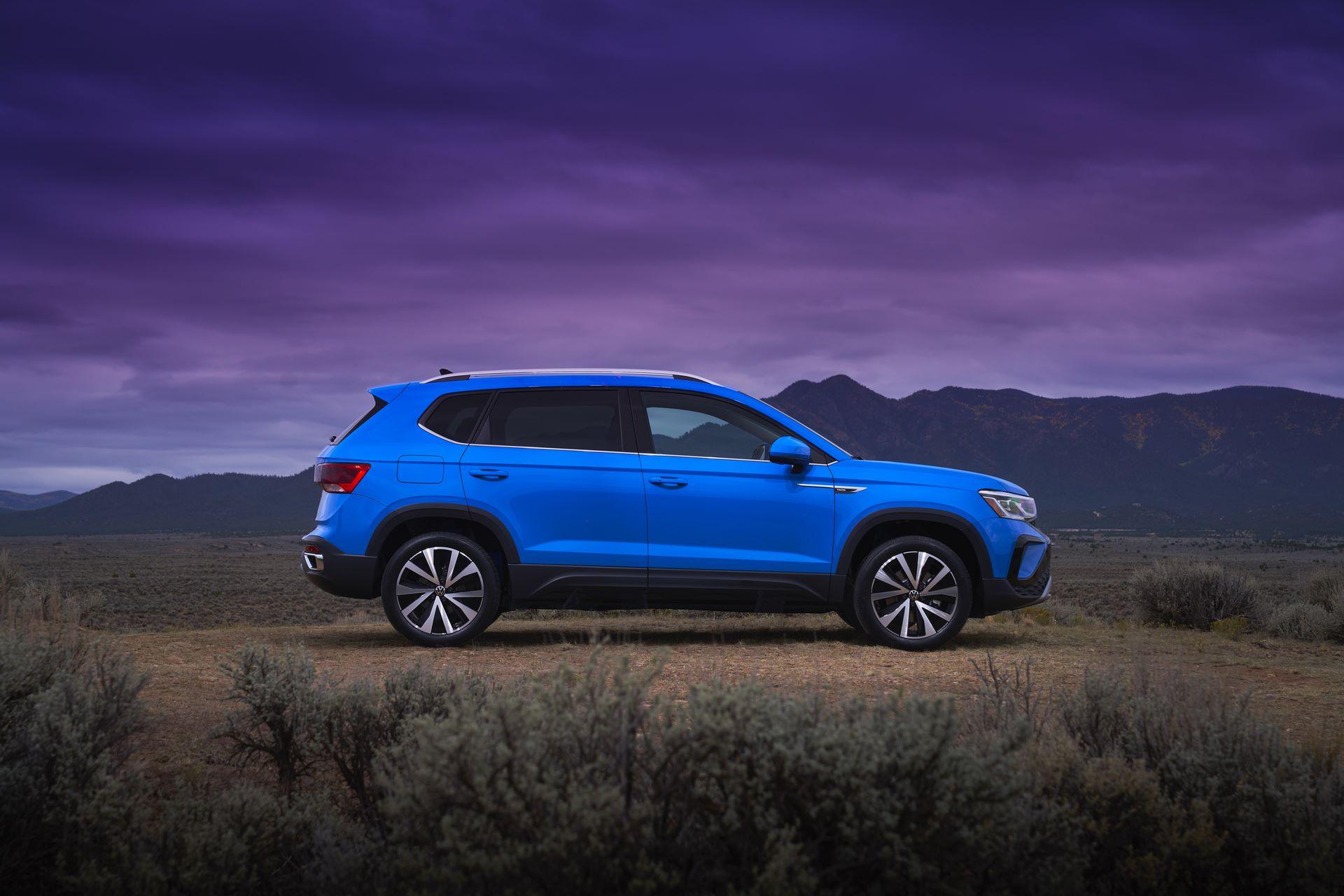 Volkswagen-Taos-2020-17