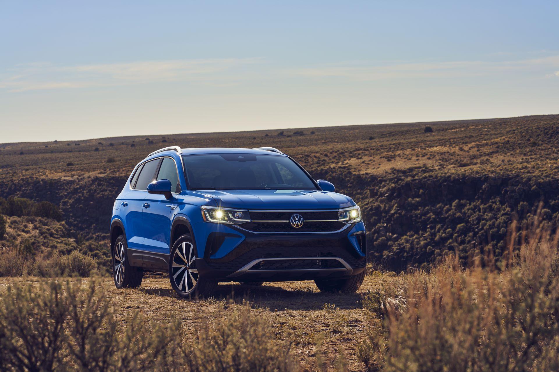 Volkswagen-Taos-2020-22
