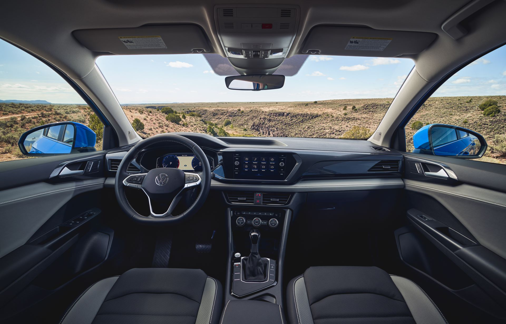 Volkswagen-Taos-2020-24