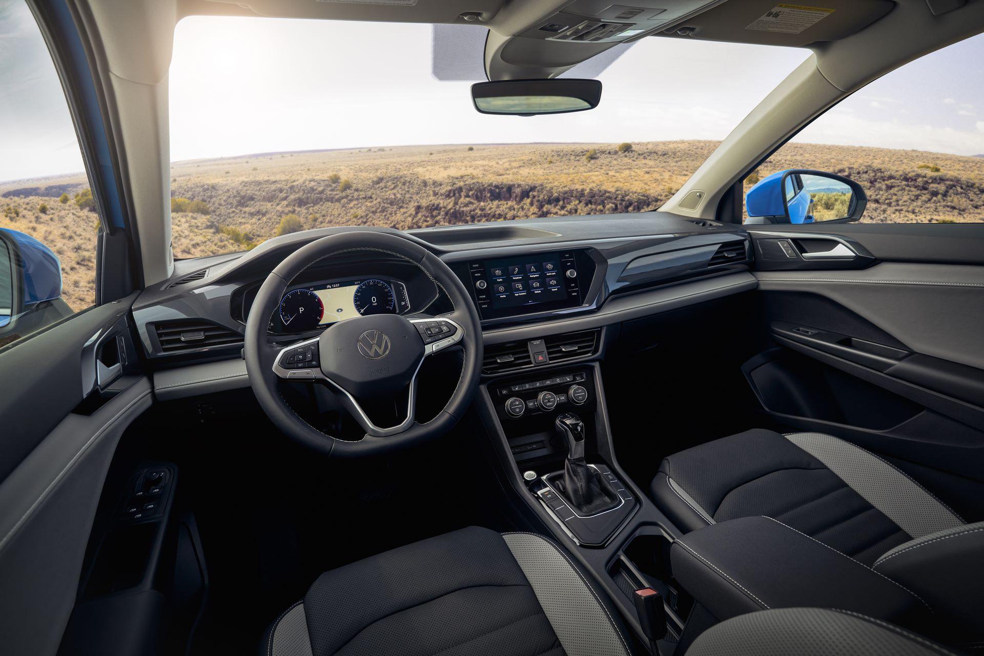 Volkswagen-Taos-2020-25