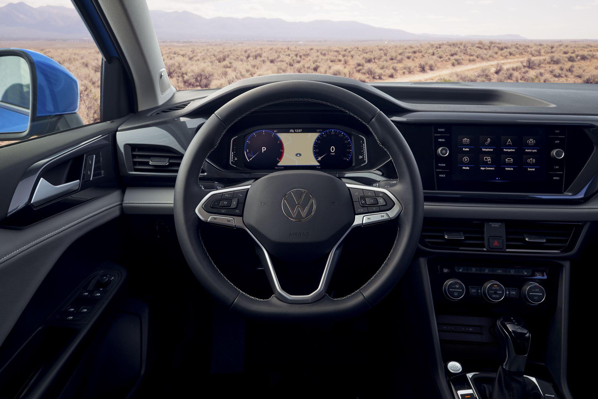 Volkswagen-Taos-2020-26
