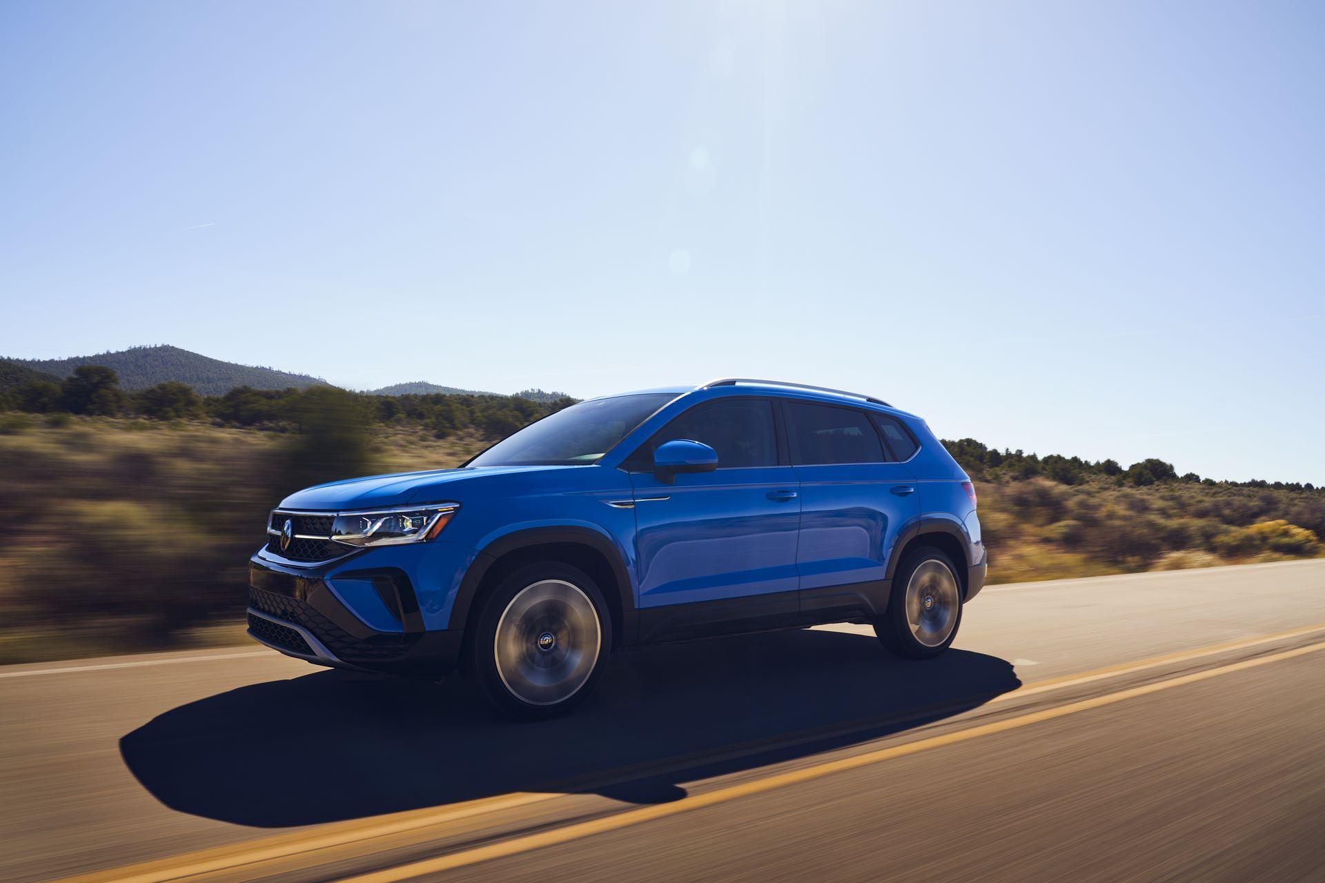 Volkswagen-Taos-2020-4