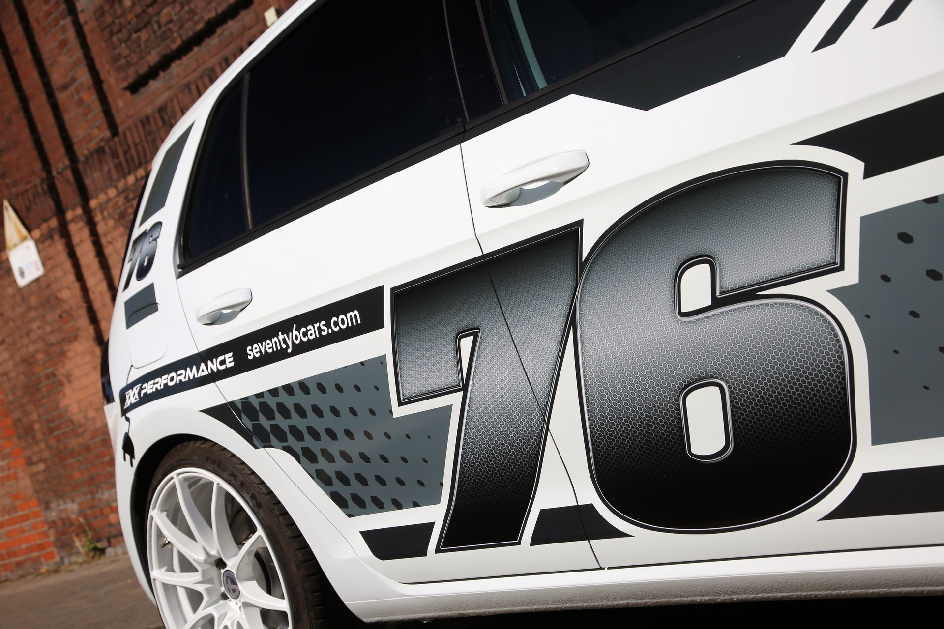 VW_e-Golf_by_xXx-Performance_0005