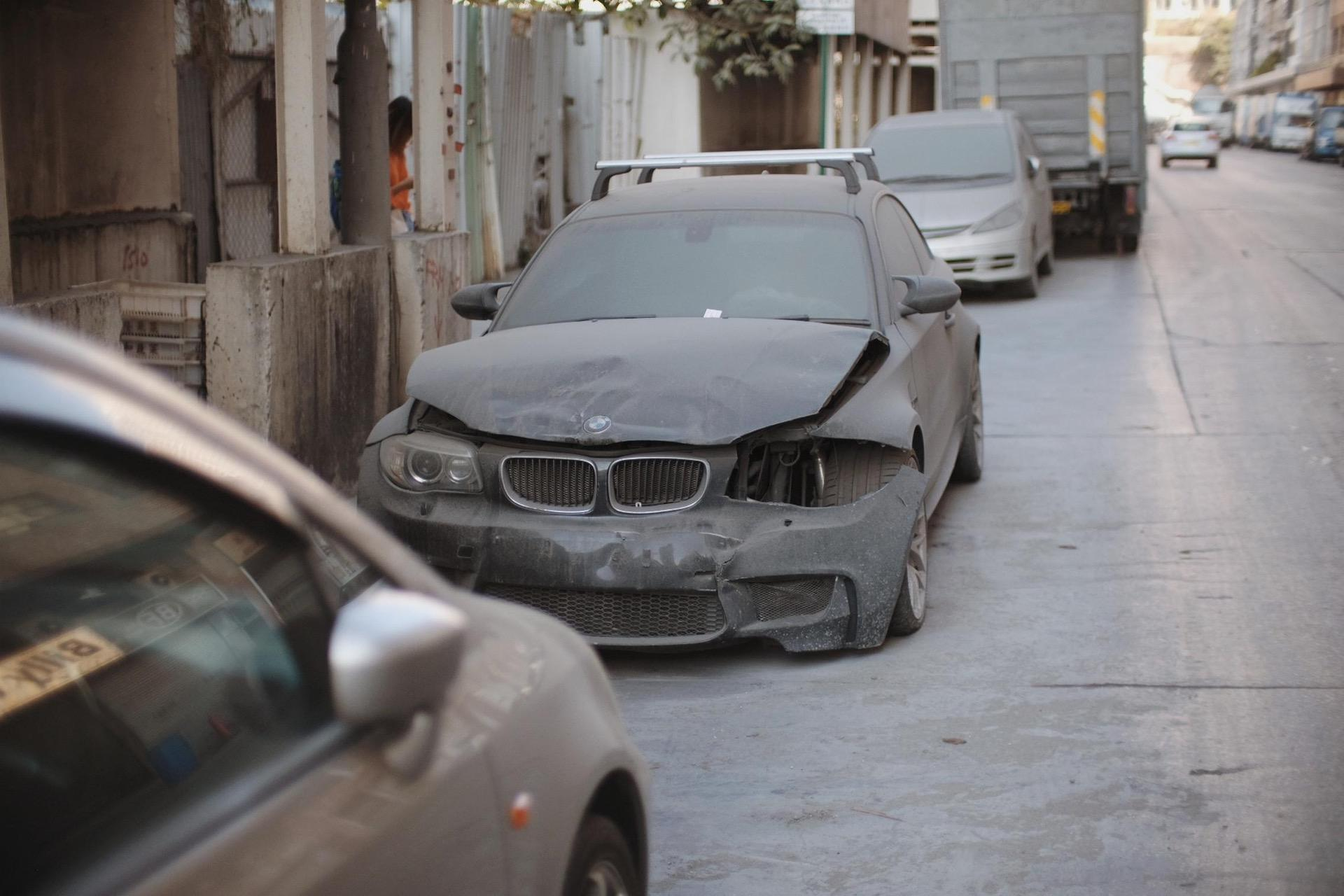 Wrecked_BMW_1M_Coupe_0007