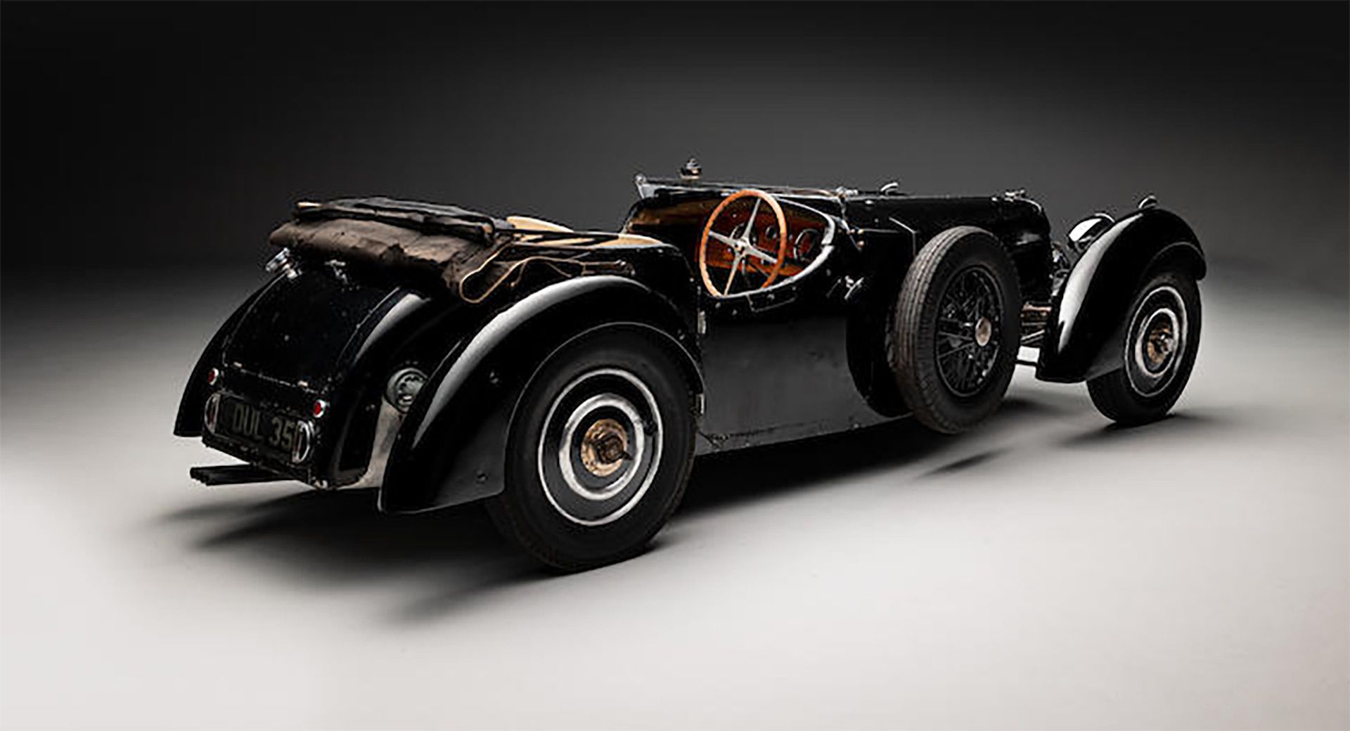 1937_Bugatti_Type_57S_sale_0009