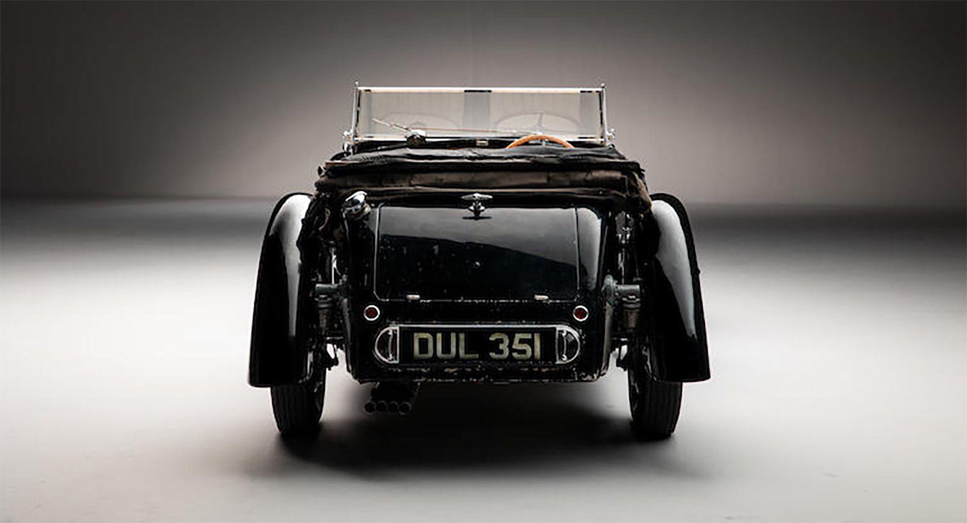 1937_Bugatti_Type_57S_sale_0012