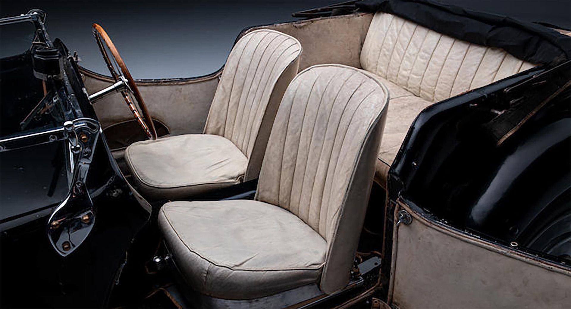 1937_Bugatti_Type_57S_sale_0025
