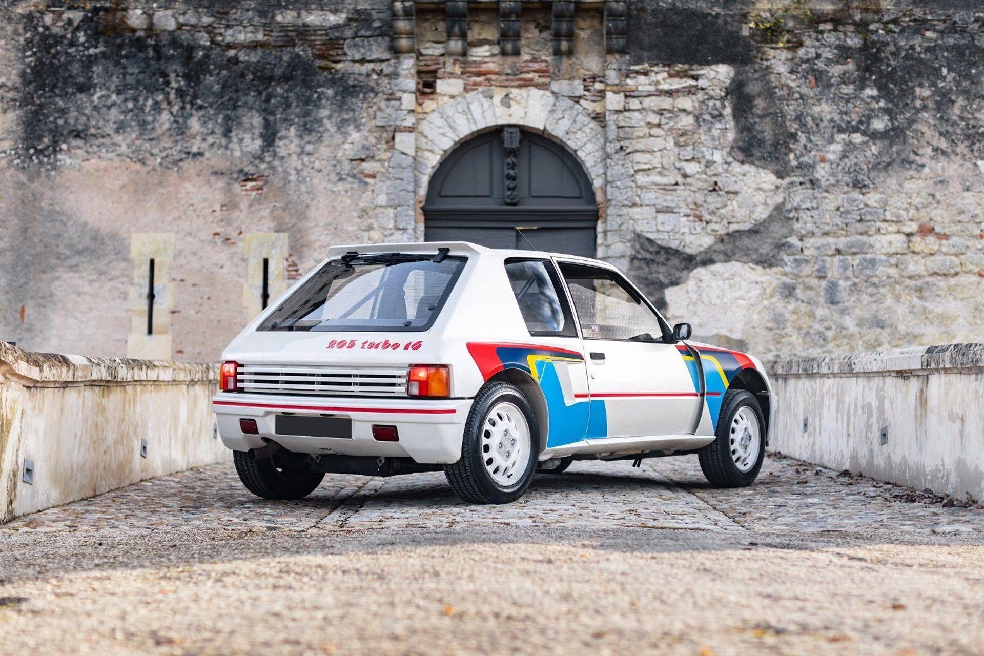 1985_Peugeot_205_T16_sale-0001
