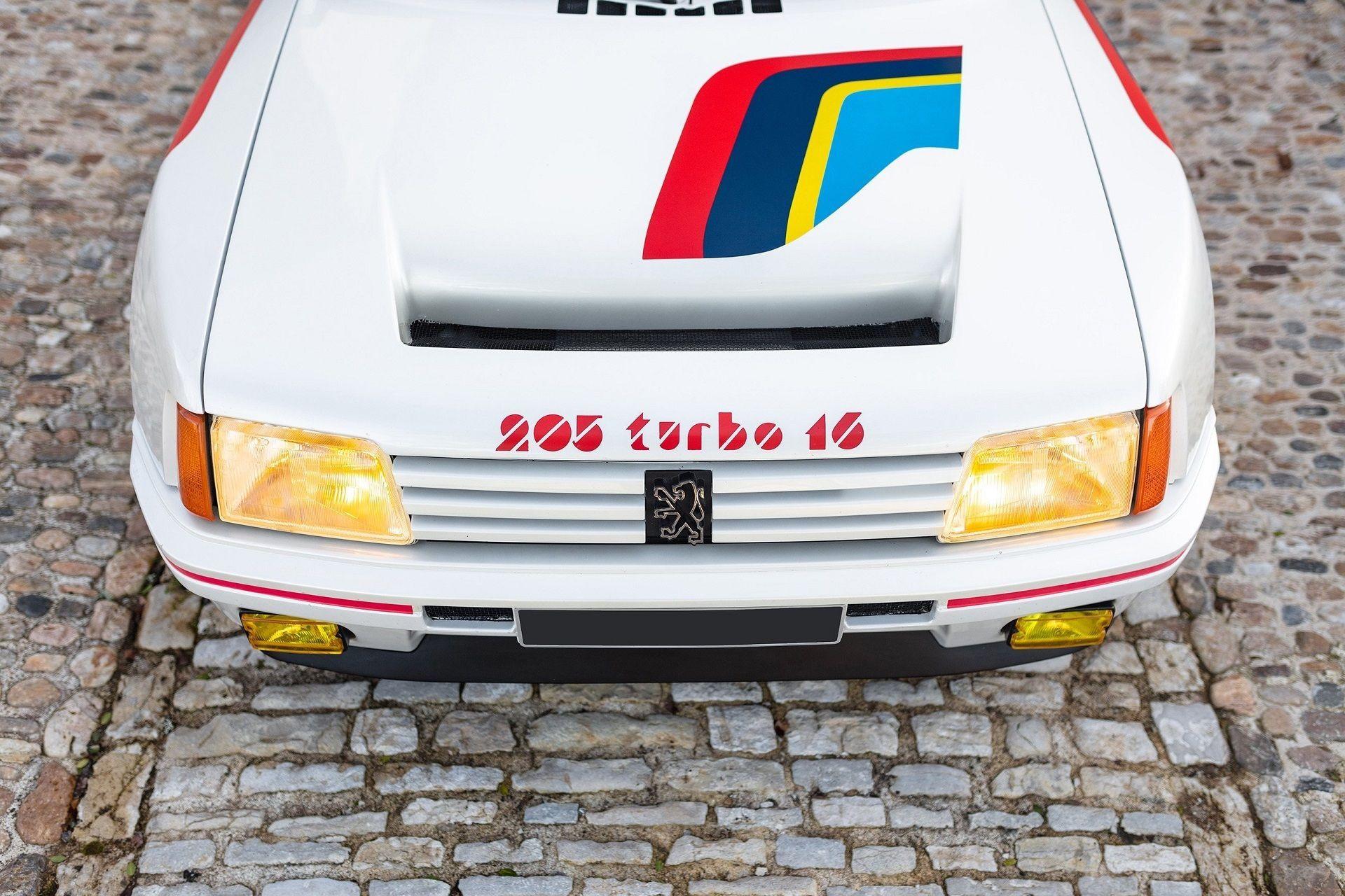 1985_Peugeot_205_T16_sale-0003