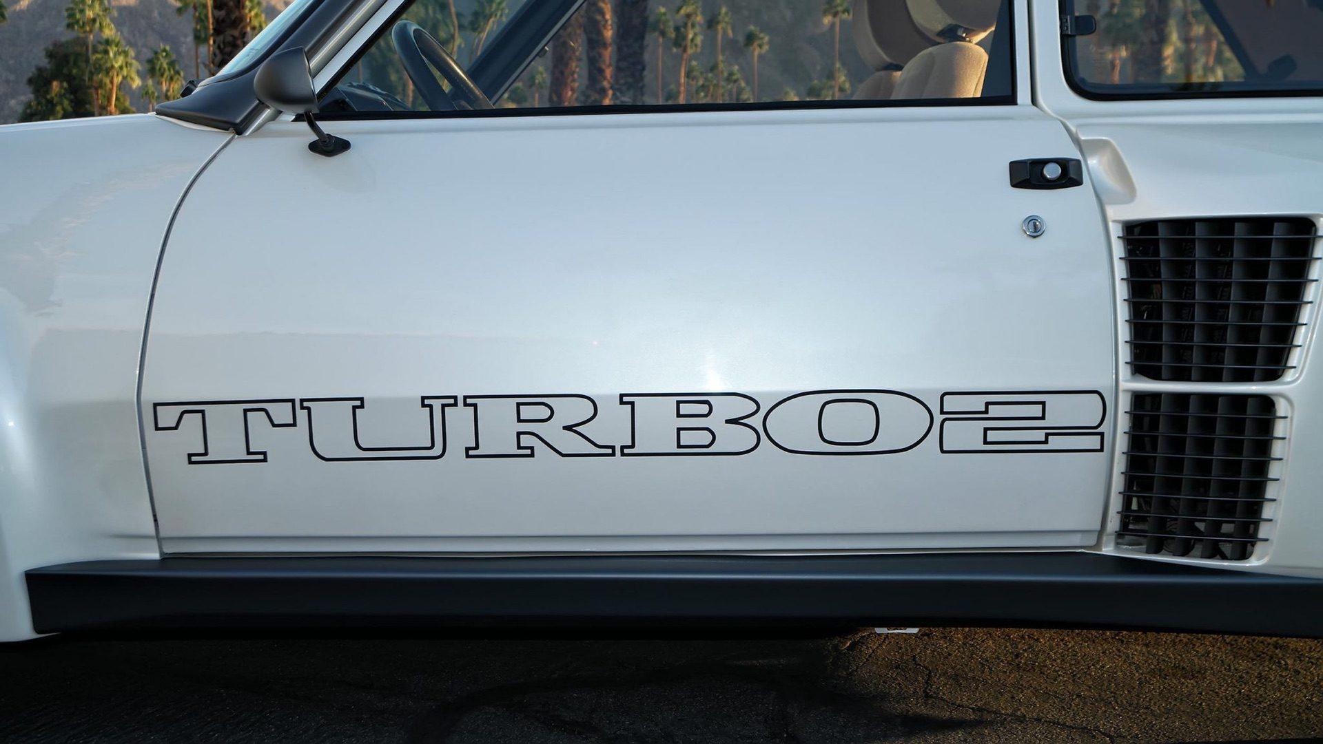 1985_Renault_R5_Turbo_2_rotary-0004