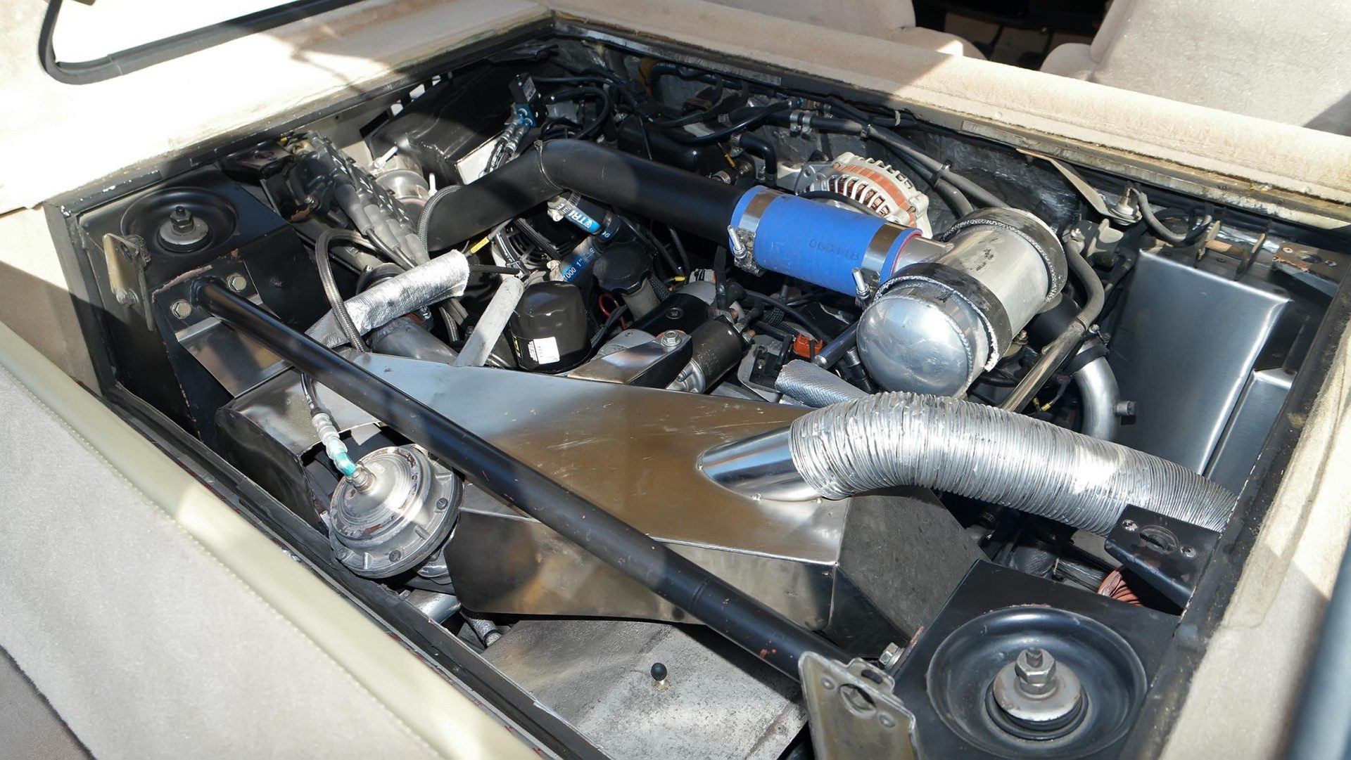 1985_Renault_R5_Turbo_2_rotary-0005