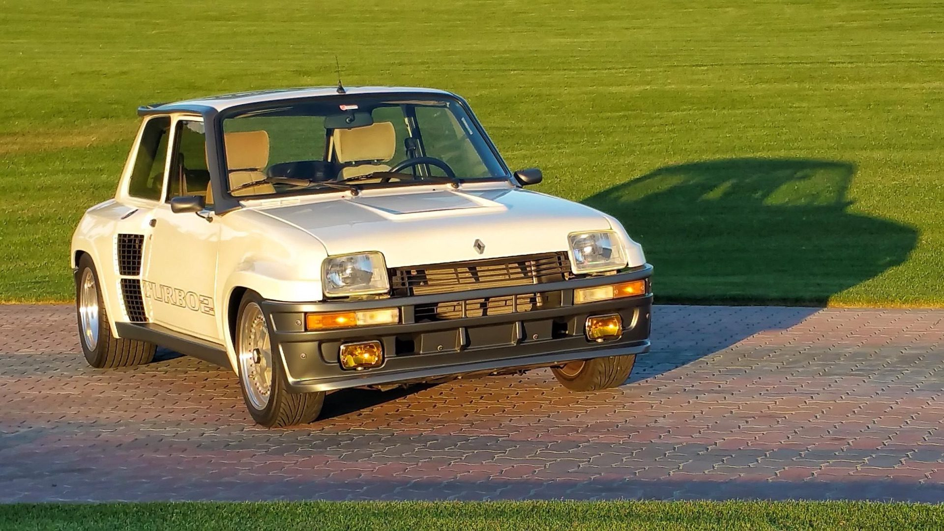 1985_Renault_R5_Turbo_2_rotary-0023
