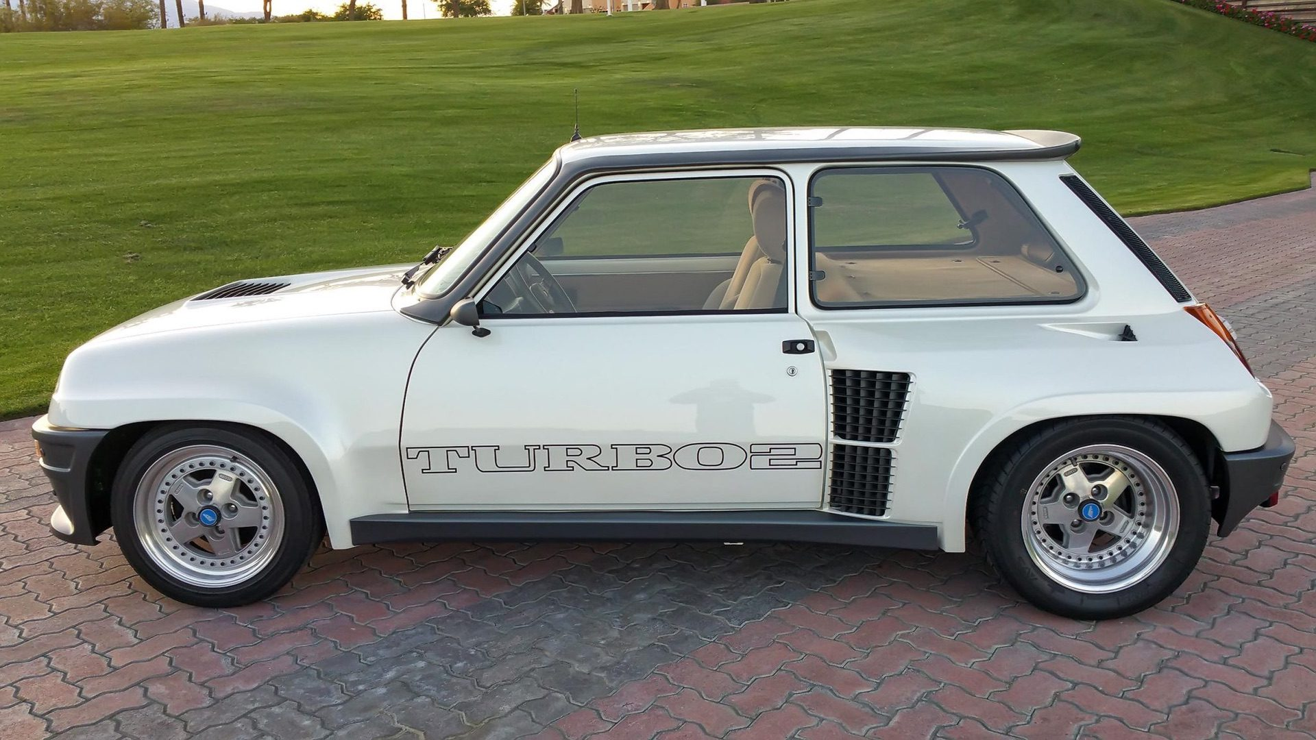 1985_Renault_R5_Turbo_2_rotary-0032