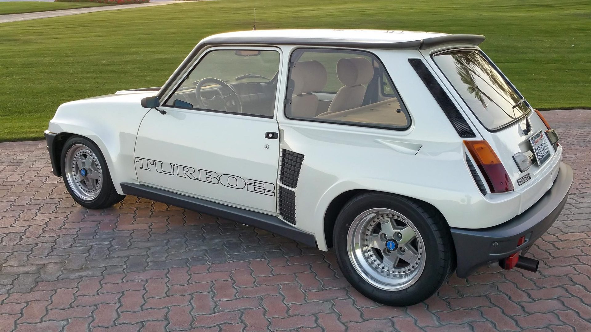 1985_Renault_R5_Turbo_2_rotary-0047
