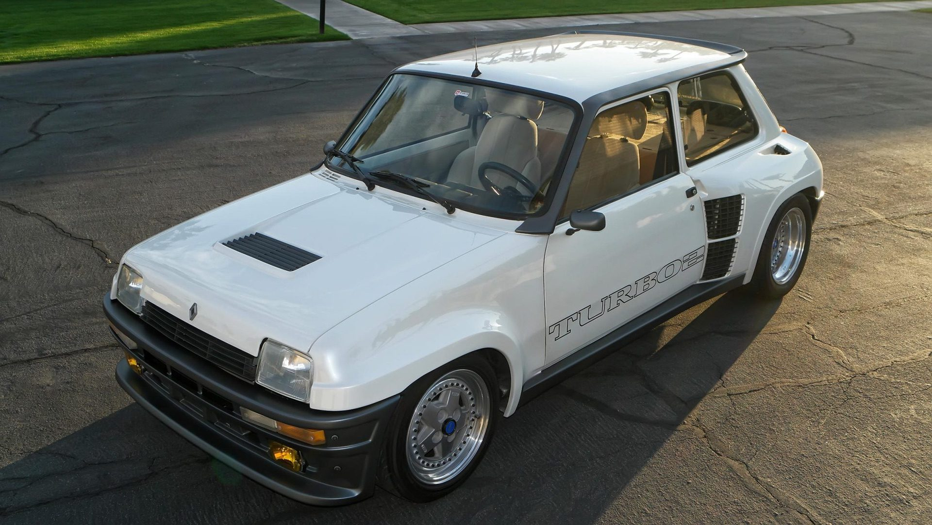 1985_Renault_R5_Turbo_2_rotary-0052