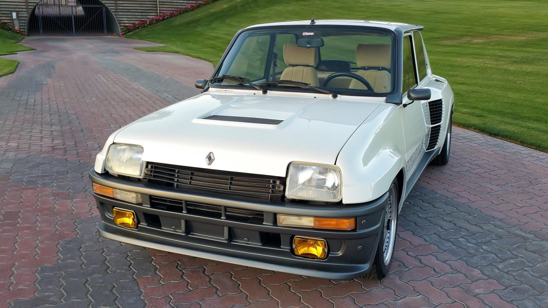 1985_Renault_R5_Turbo_2_rotary-0059