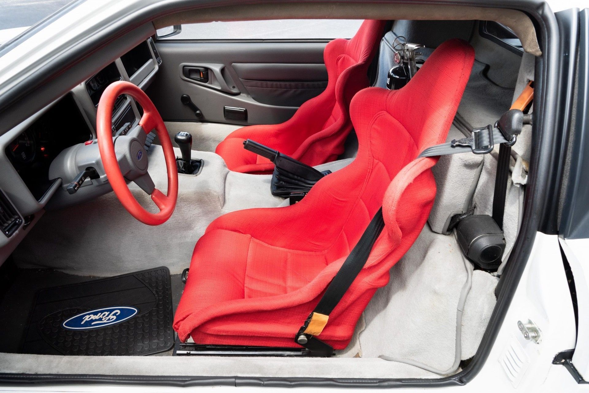 1986_Ford_RS200_sale-0014