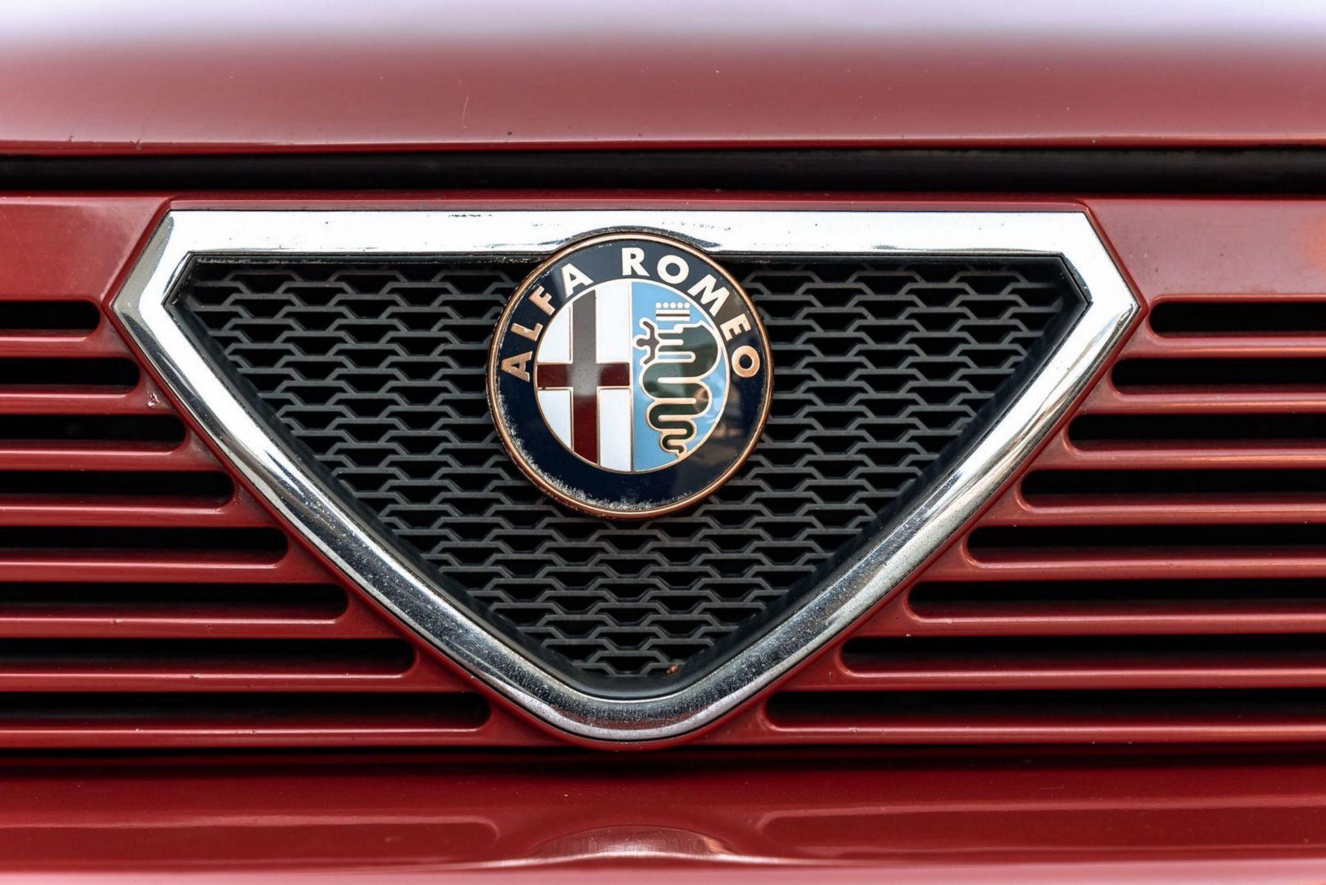 1987_Alfa_Romeo_75_Turbo_Evoluzione_sale-0000