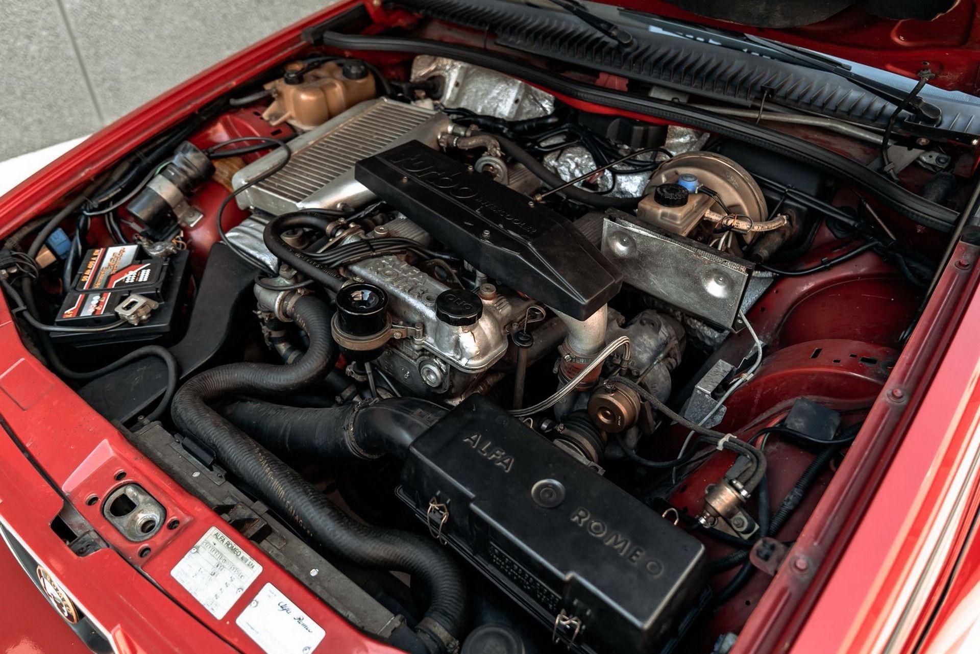 1987_Alfa_Romeo_75_Turbo_Evoluzione_sale-0003