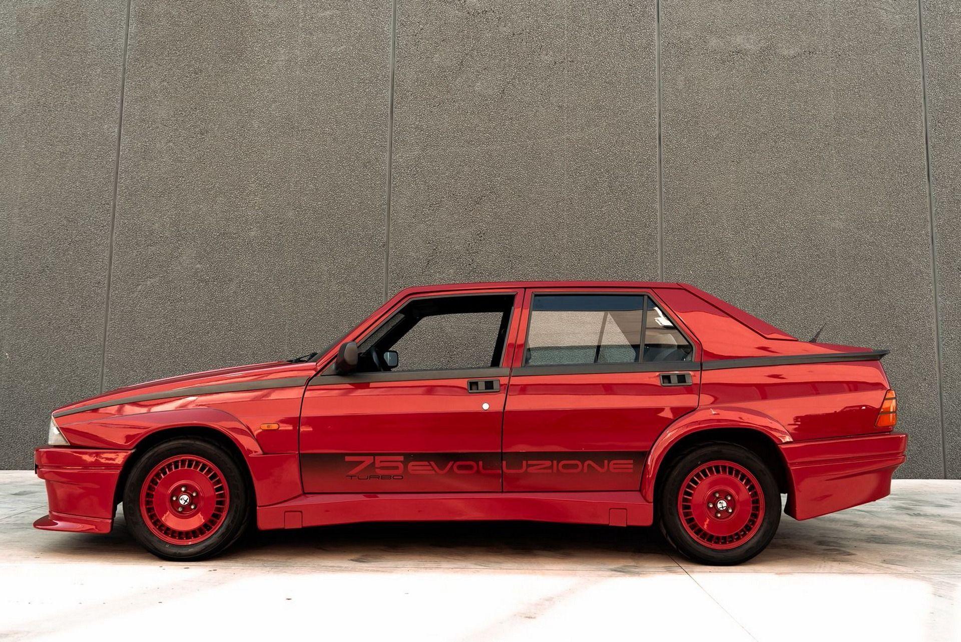 1987_Alfa_Romeo_75_Turbo_Evoluzione_sale-0012