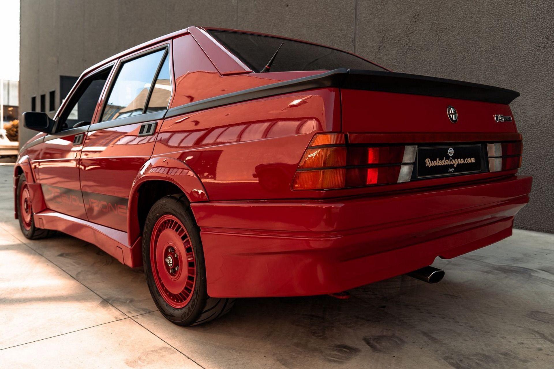 1987_Alfa_Romeo_75_Turbo_Evoluzione_sale-0014