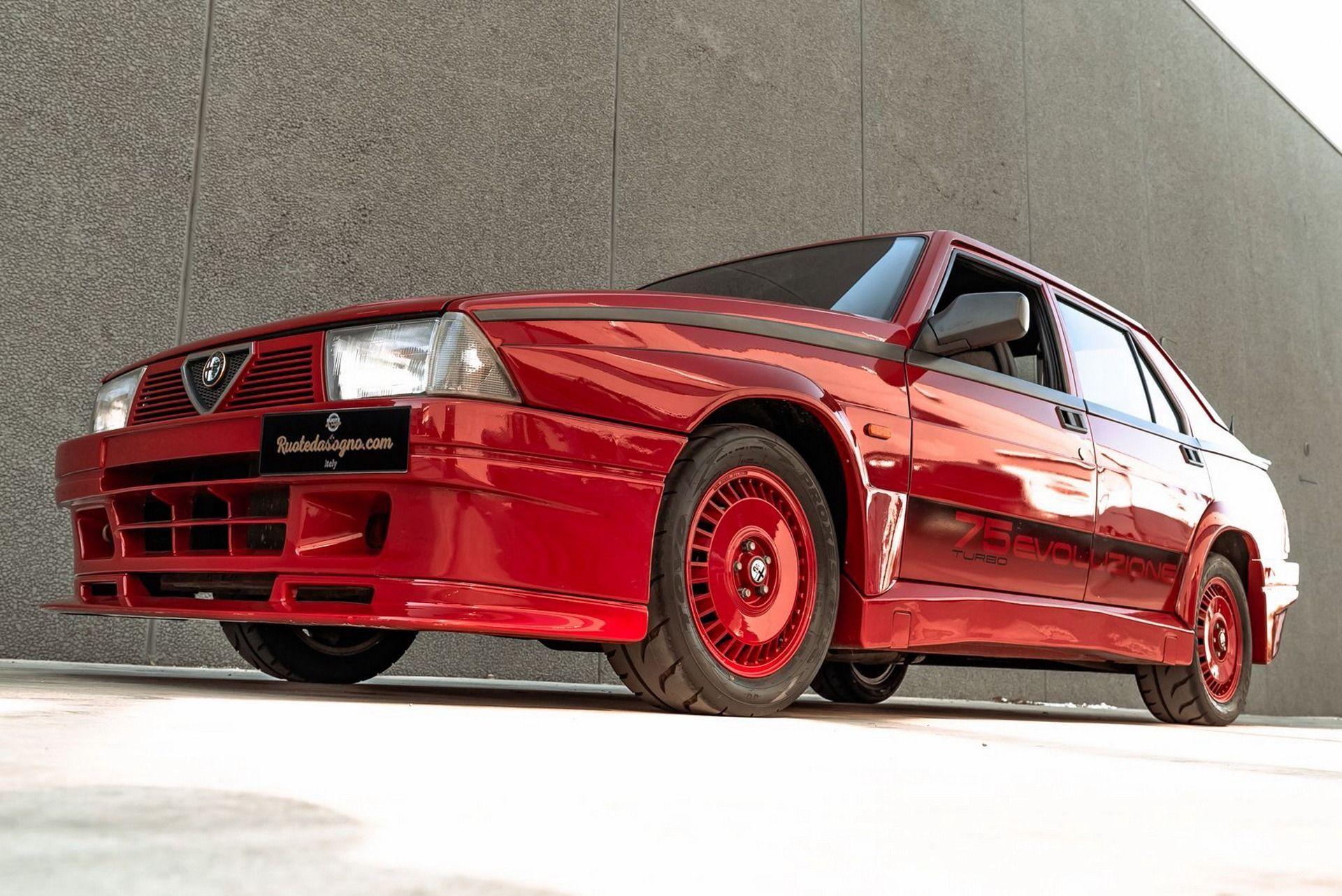 1987_Alfa_Romeo_75_Turbo_Evoluzione_sale-0021