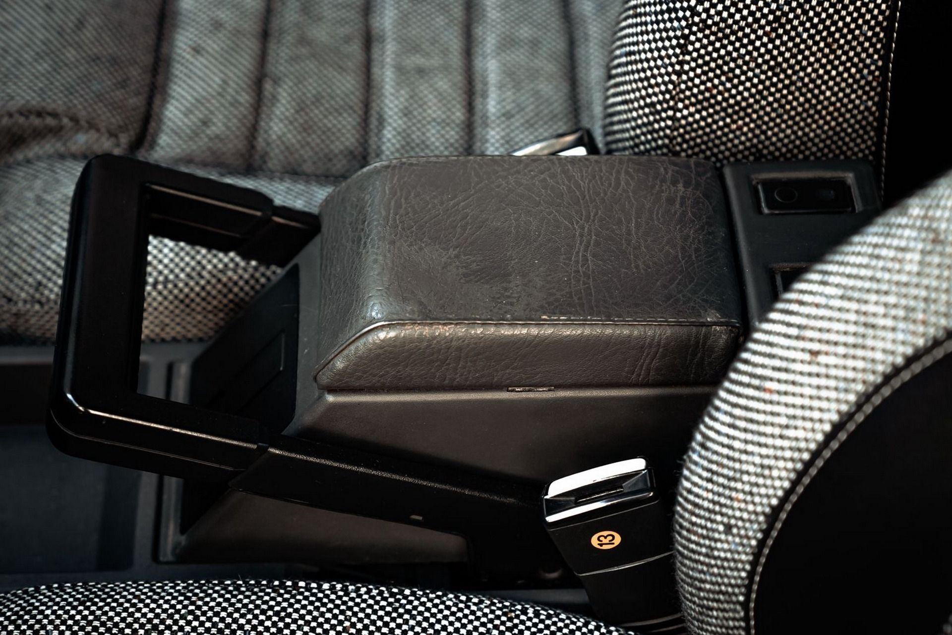 1987_Alfa_Romeo_75_Turbo_Evoluzione_sale-0036