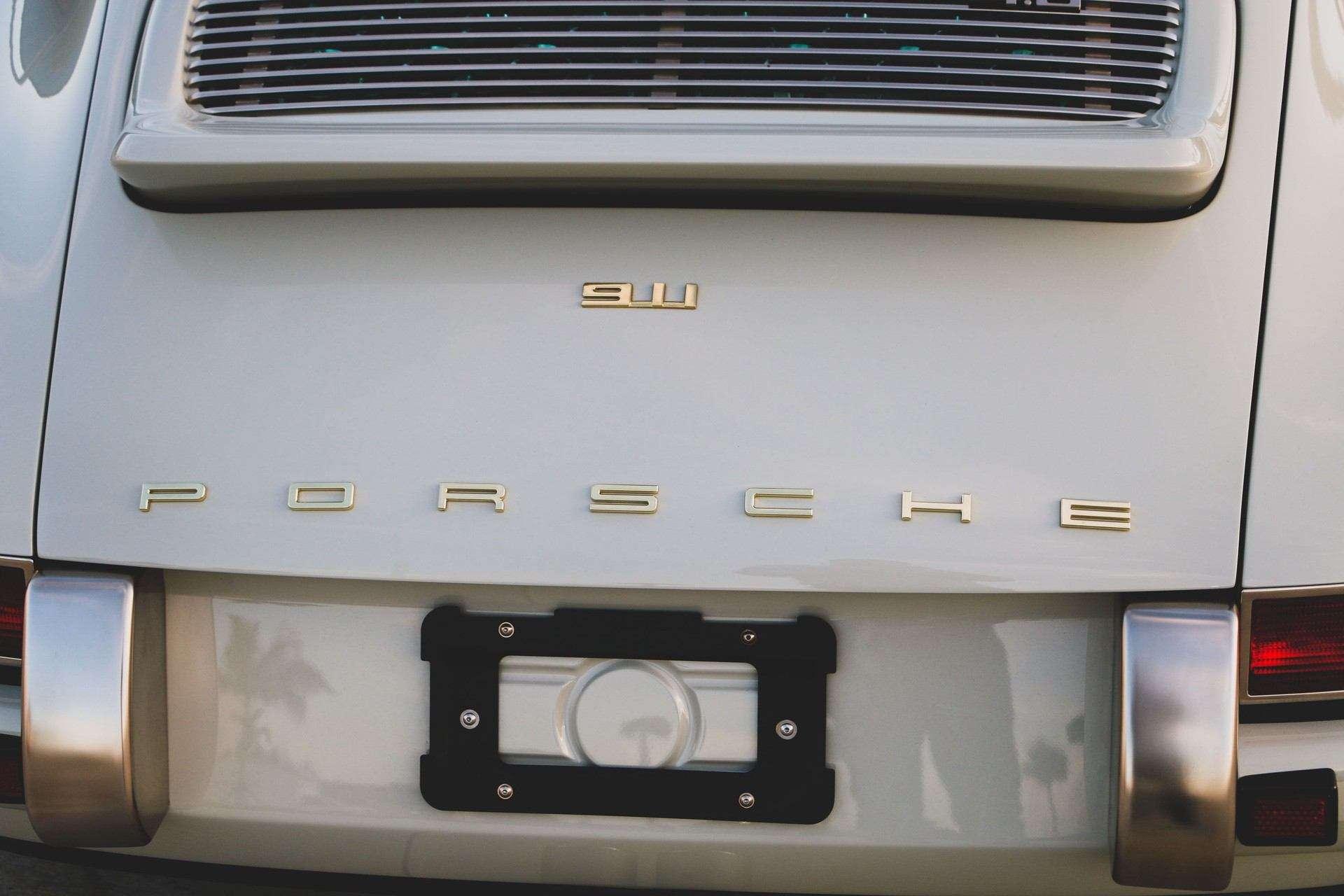 1989_Porsche_911_Reimagined_by_Singer-0009