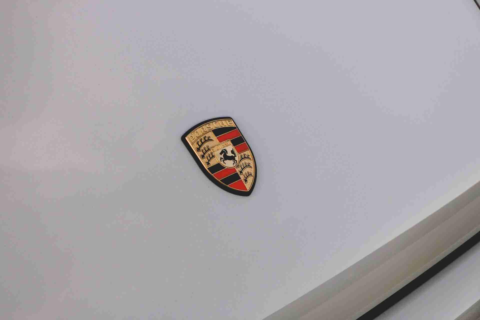 1989_Porsche_911_Reimagined_by_Singer-0014