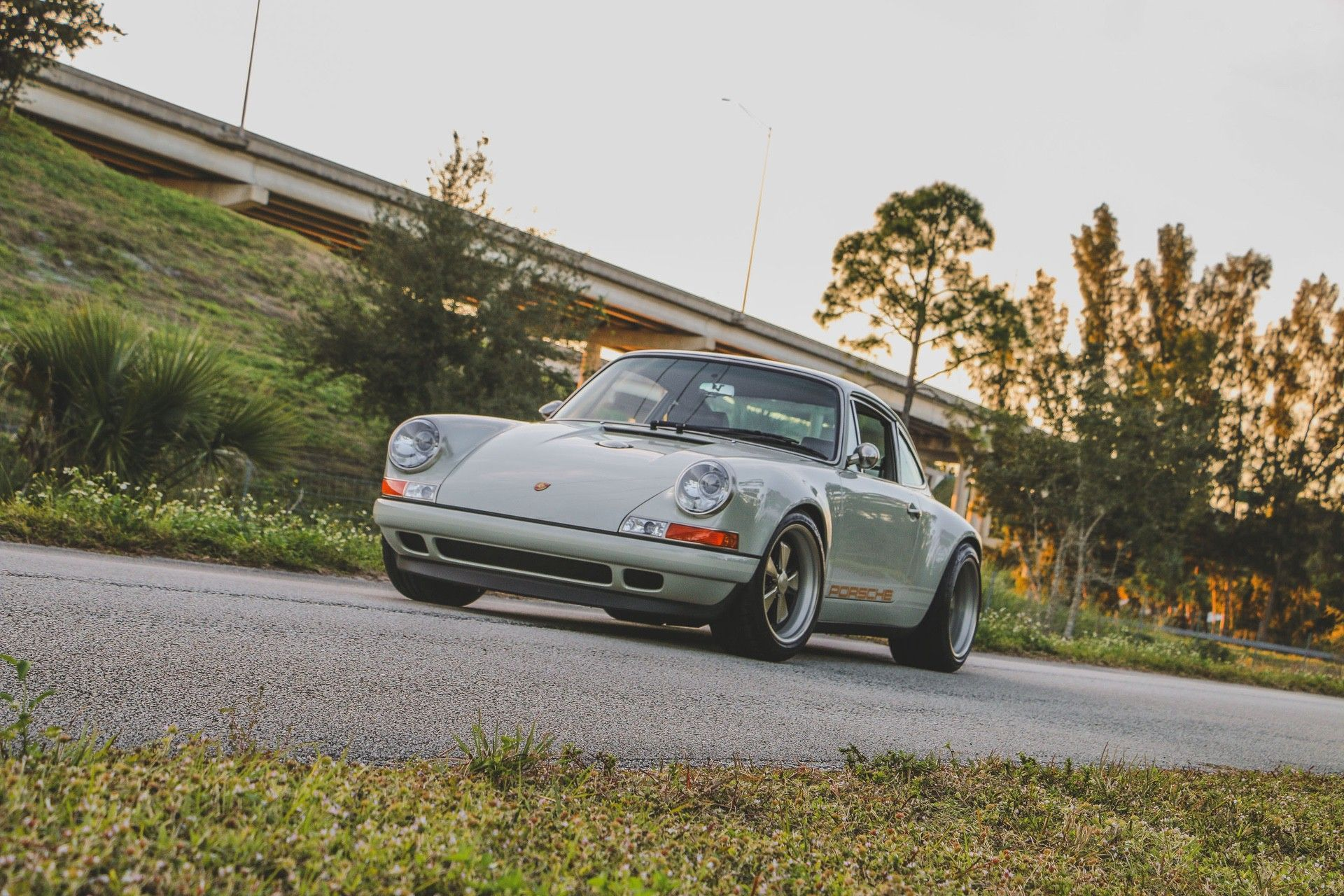 1989_Porsche_911_Reimagined_by_Singer-0044