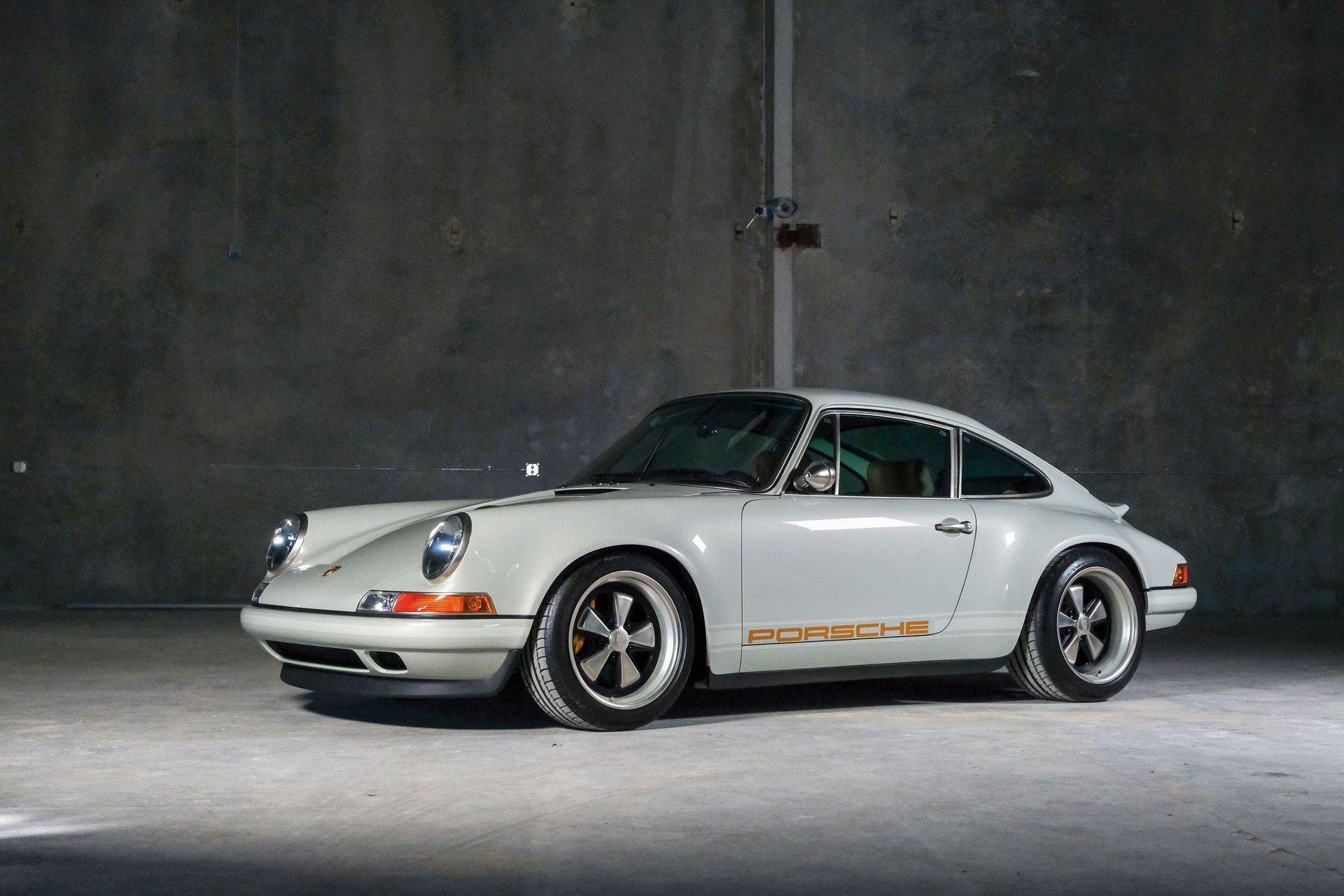 1989_Porsche_911_Reimagined_by_Singer-0045