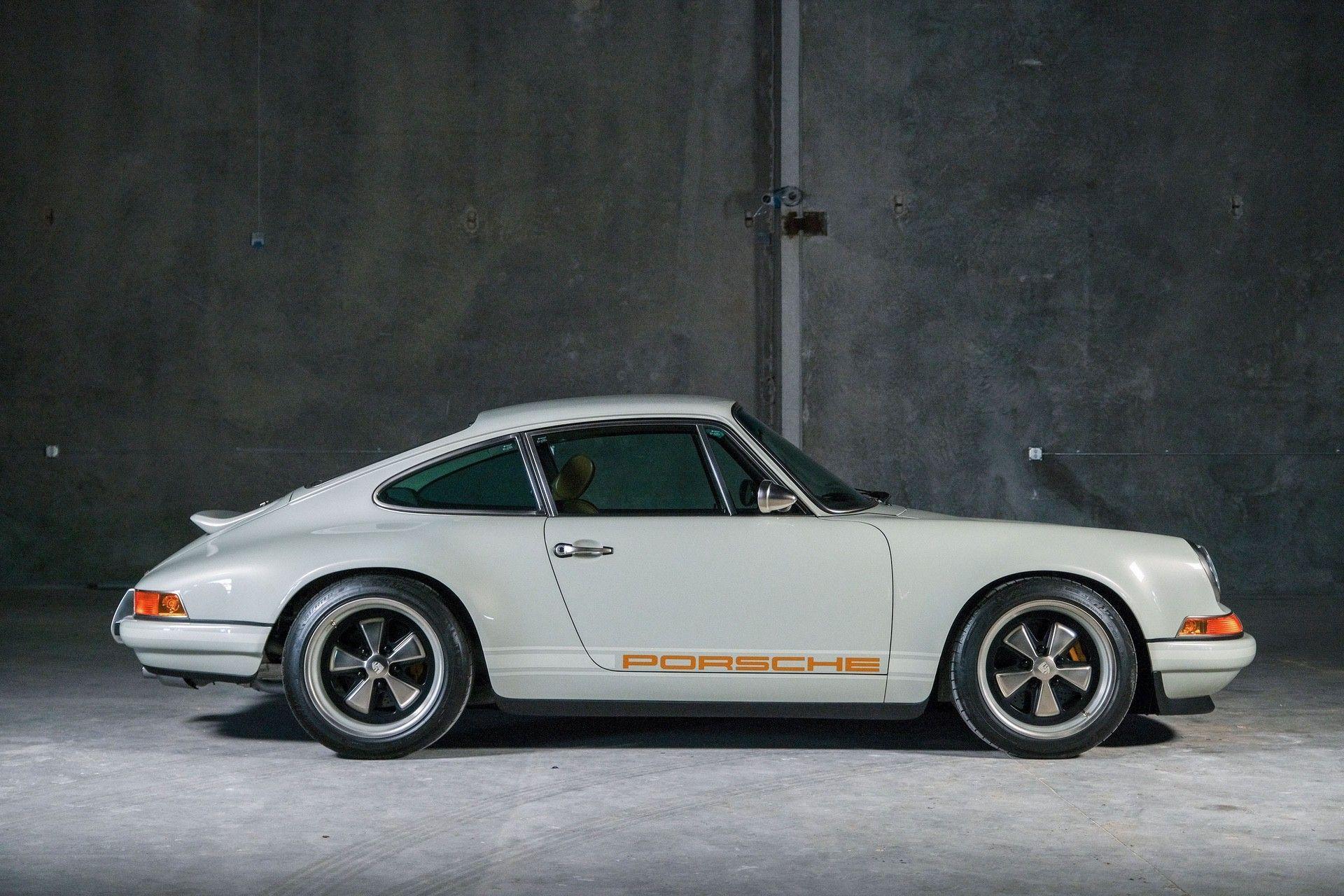 1989_Porsche_911_Reimagined_by_Singer-0049